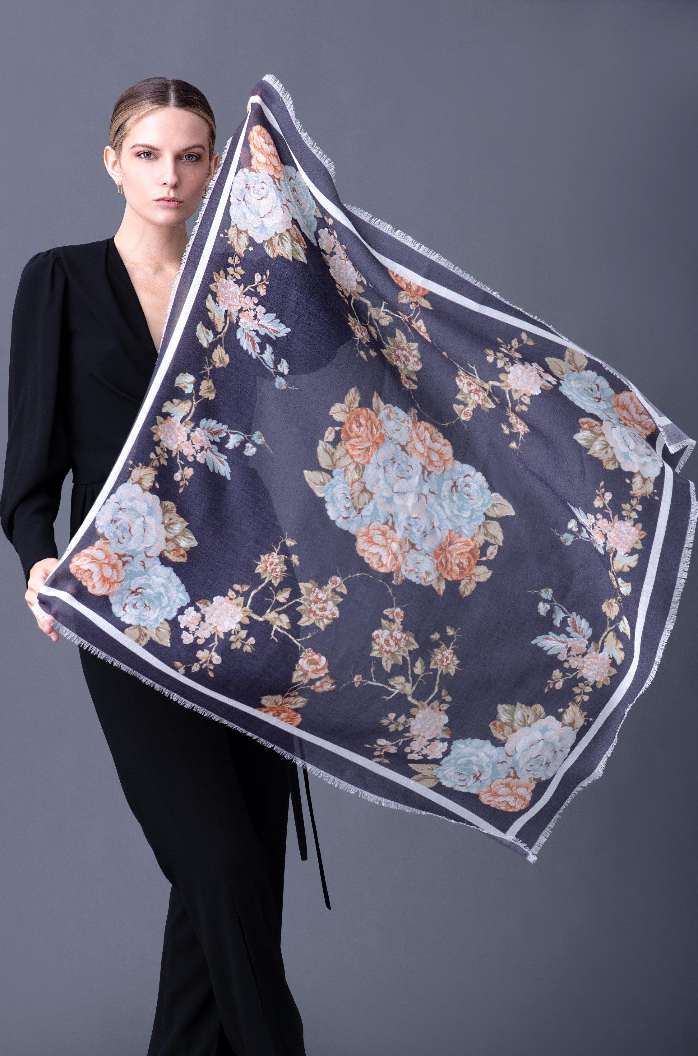CHELSEA FLORAL SCARF