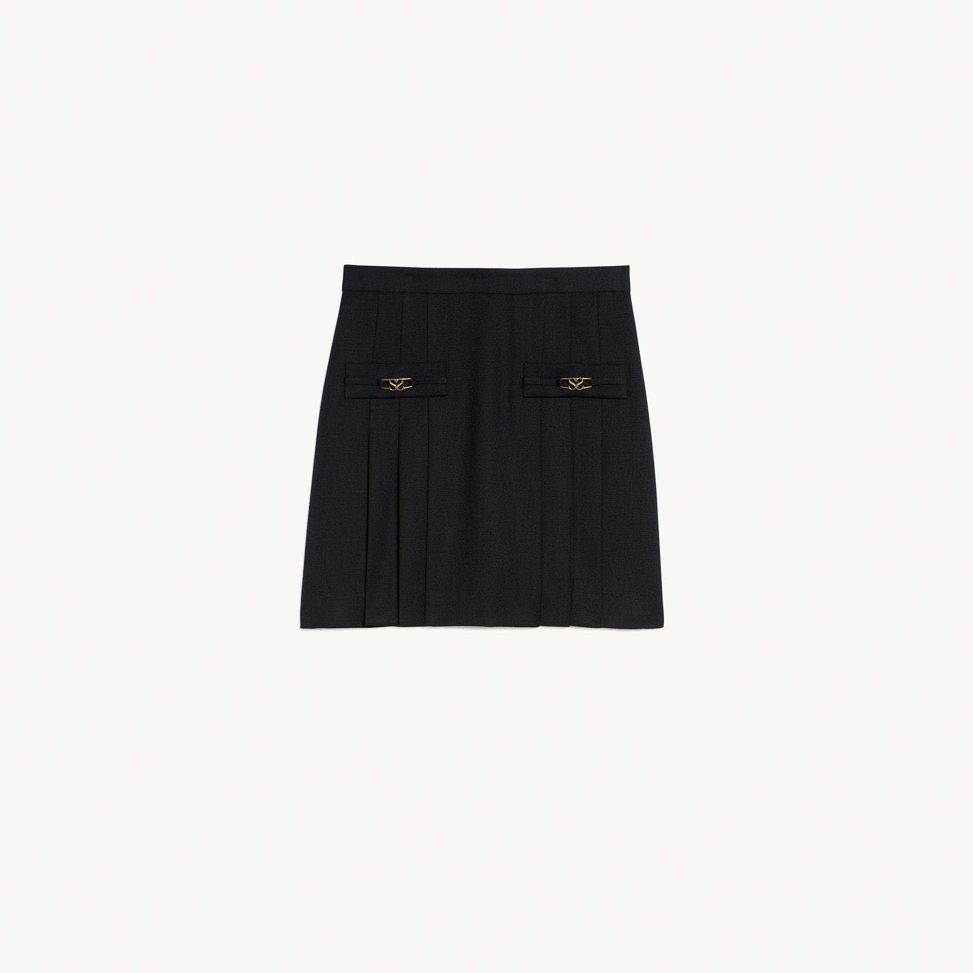 Short skirt with stitched pleats 5