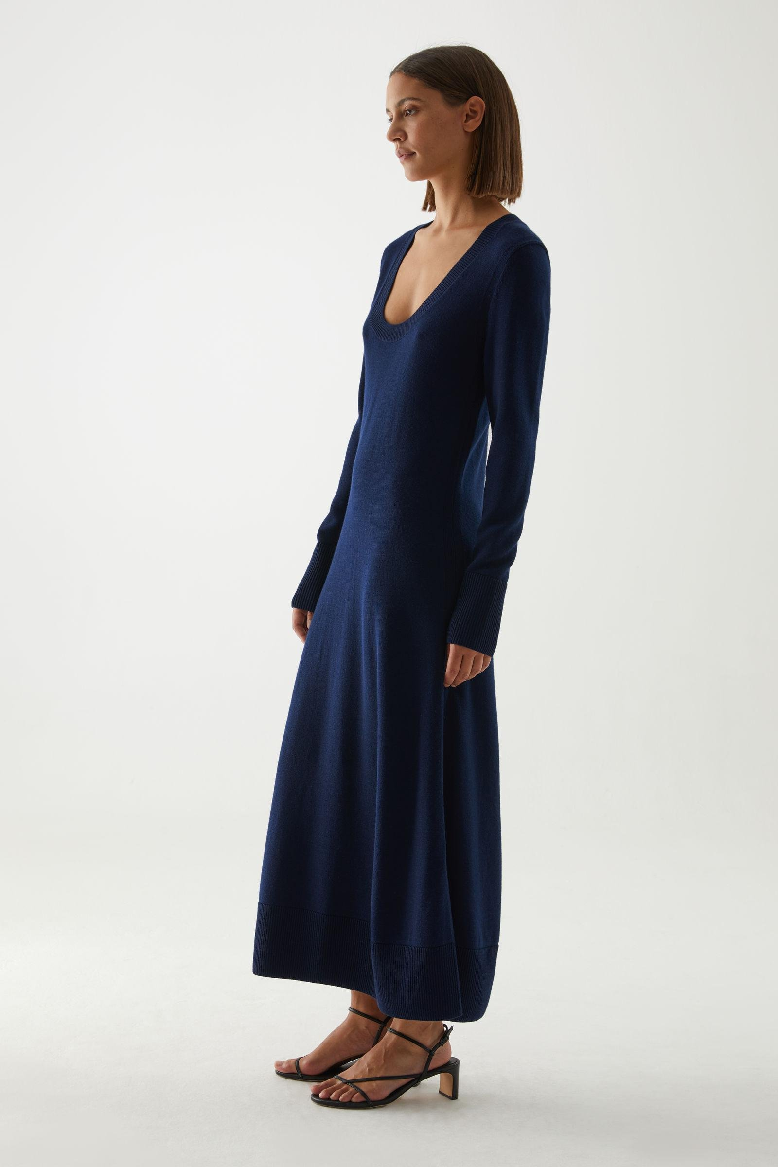 A-LINE LONG SLEEVE KNITTED DRESS
