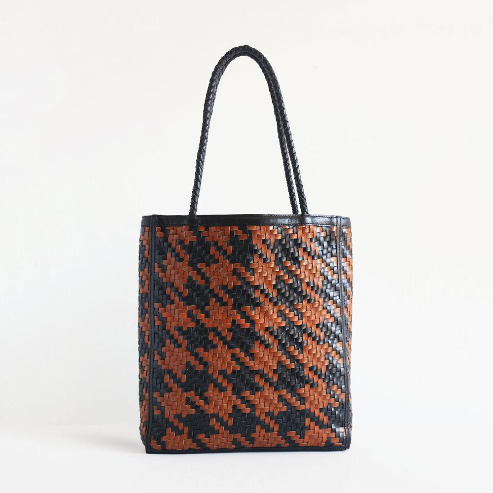 Le Tote - Houndstooth 0