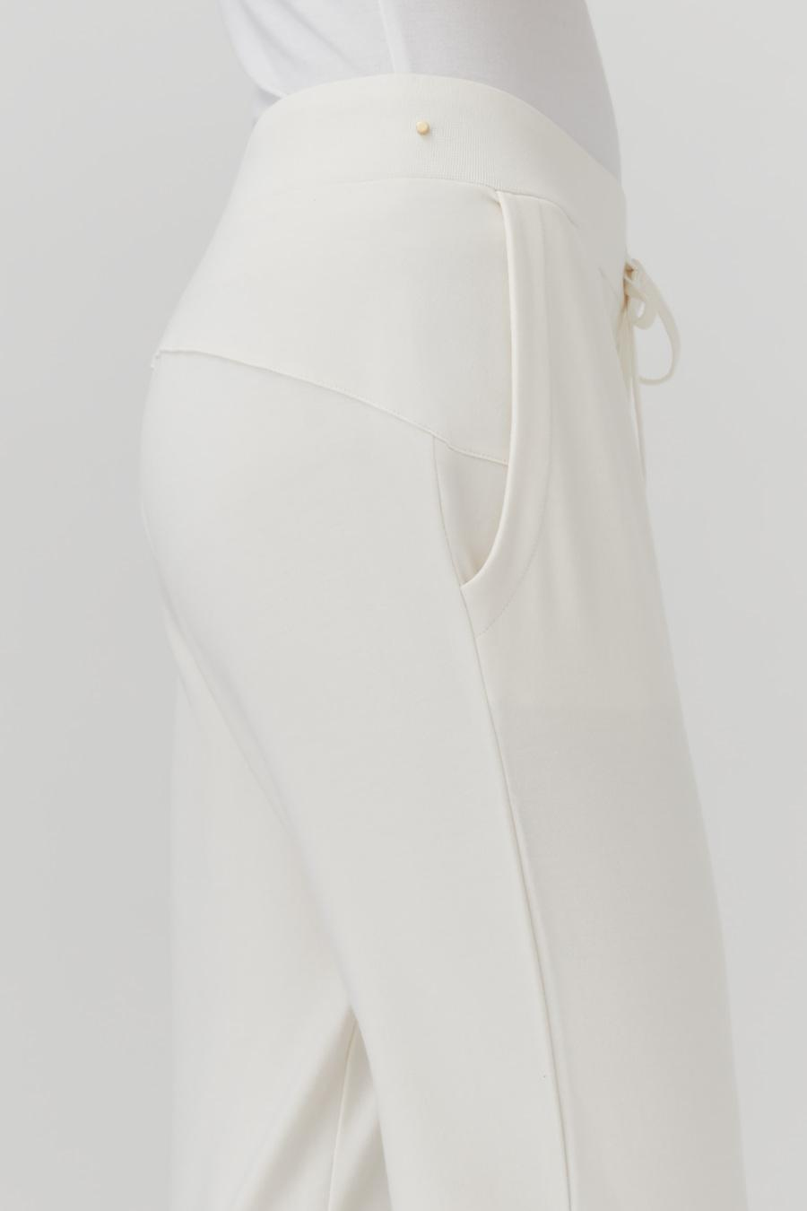 Women's French Terry Tapered Lounge Pant in Ecru   Size: 3