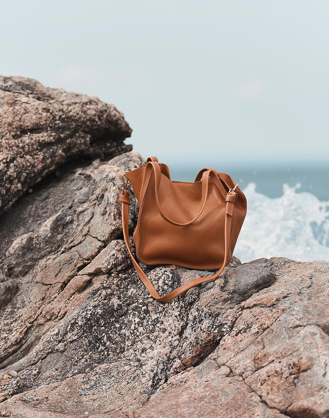 The Sydney Tote 4