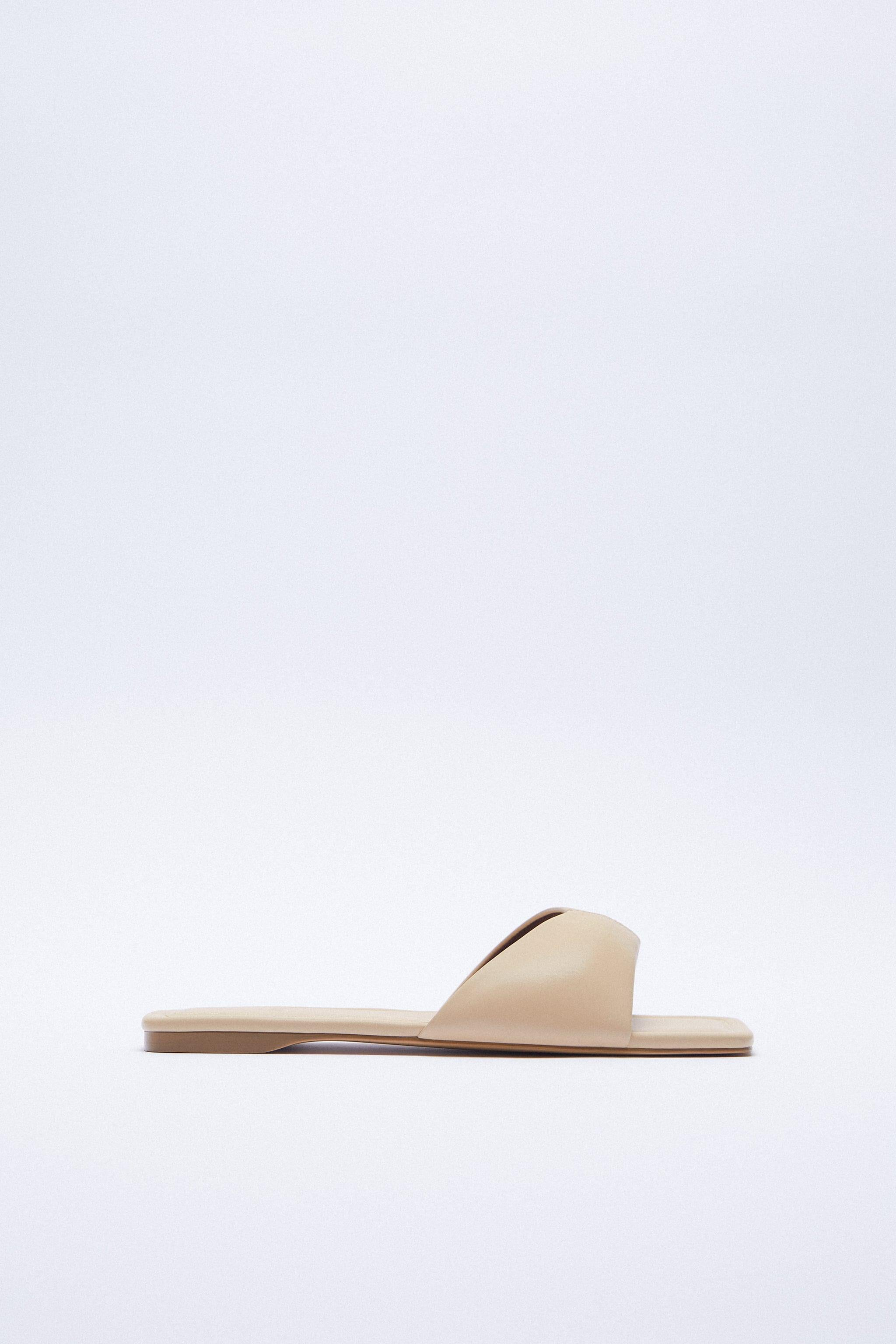 FLAT PADDED LEATHER SANDALS