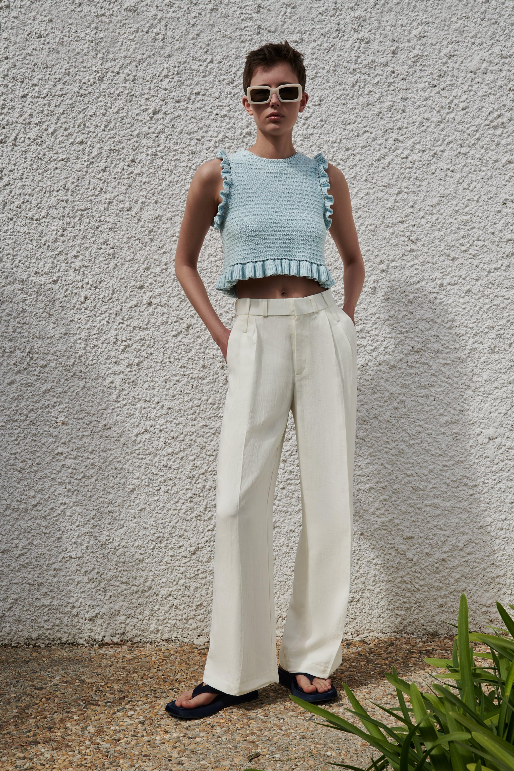 CROCHETED KNIT TOP
