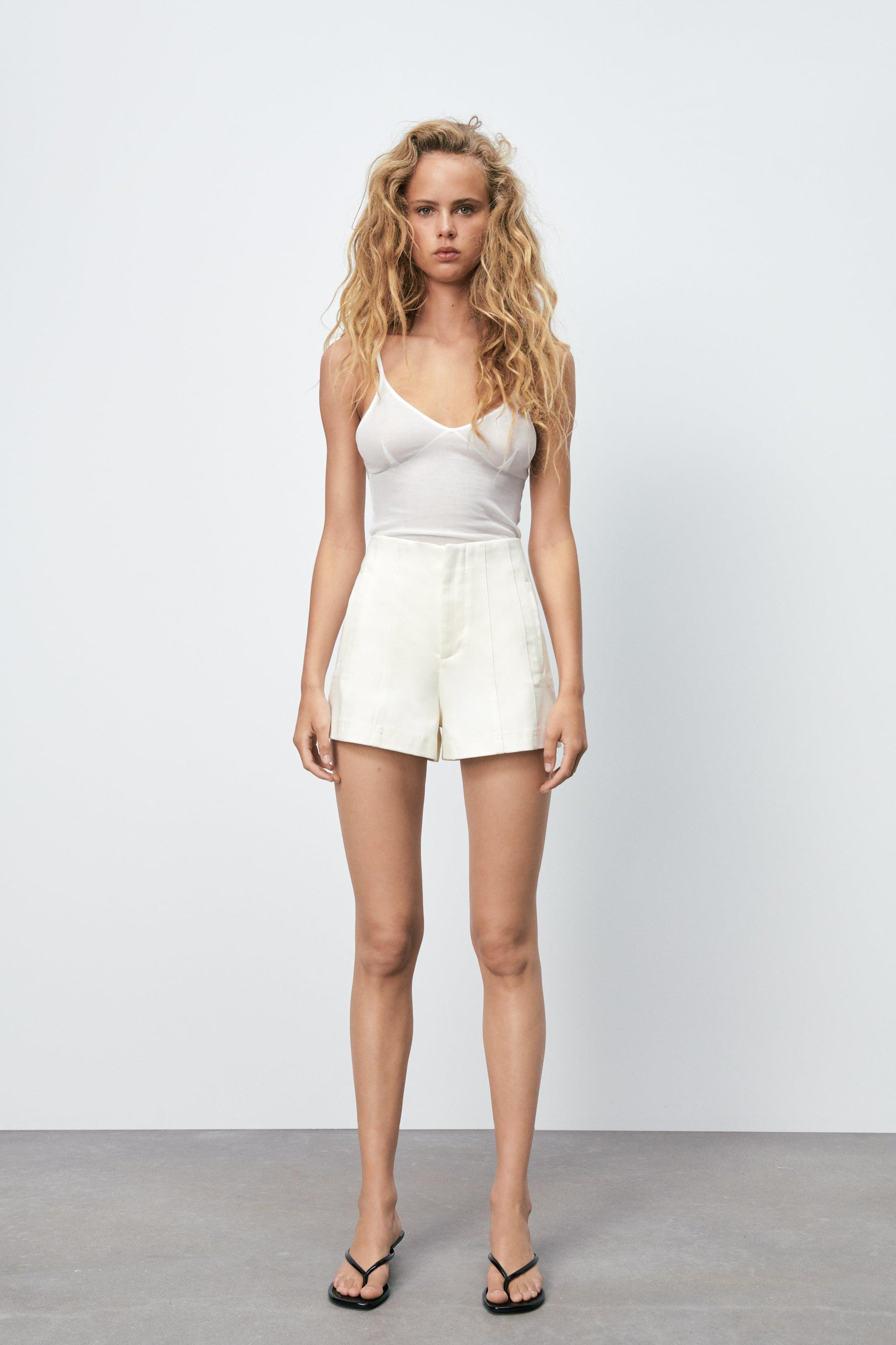 TOPSTITCHED SHORTS