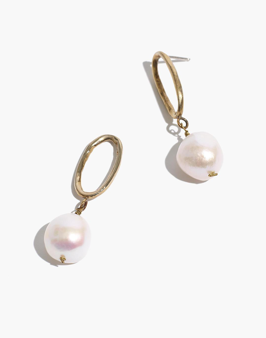 Geoflora Jewelry Chain and Baroque Pearl Earrings