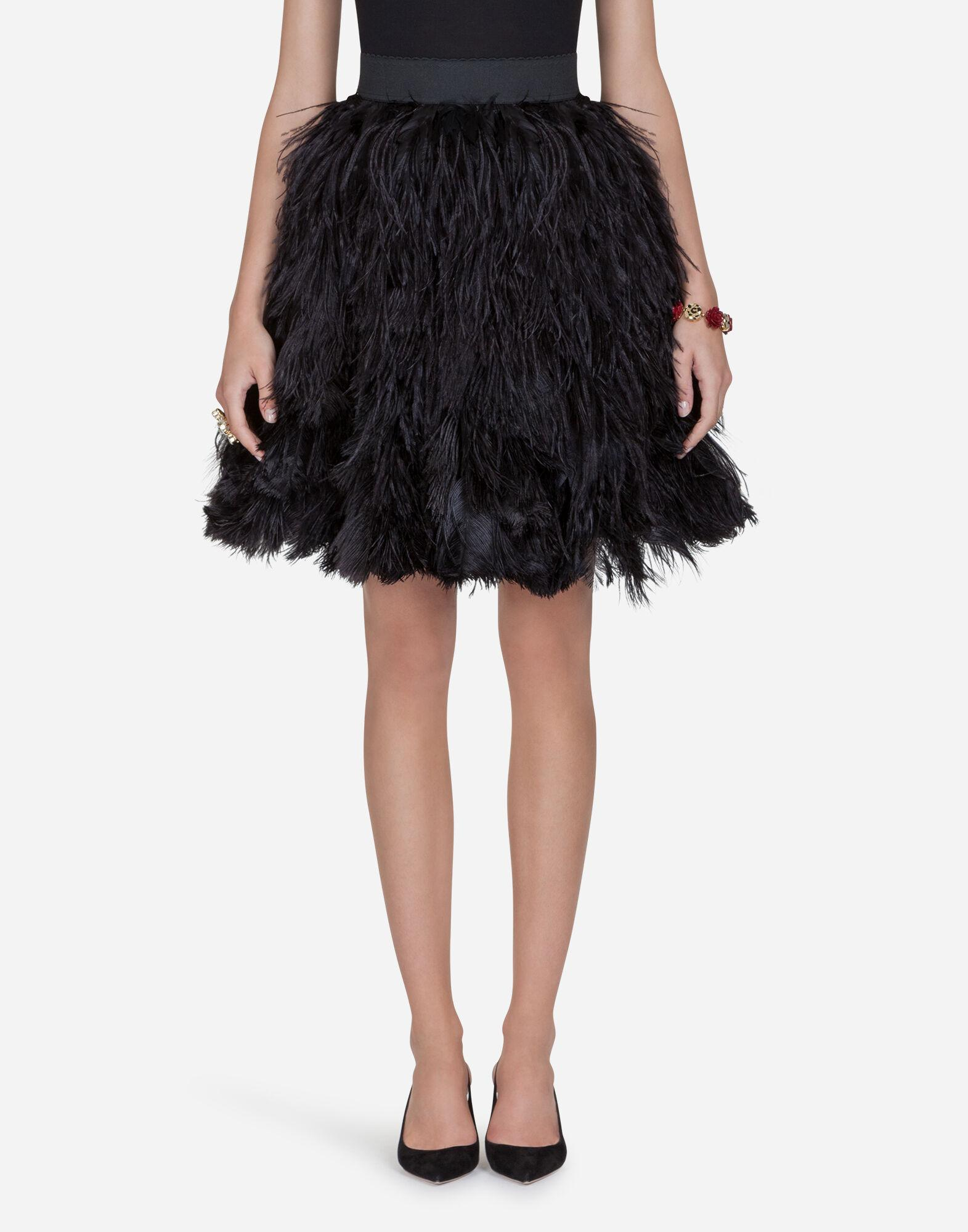 Flounce skirt in feathers