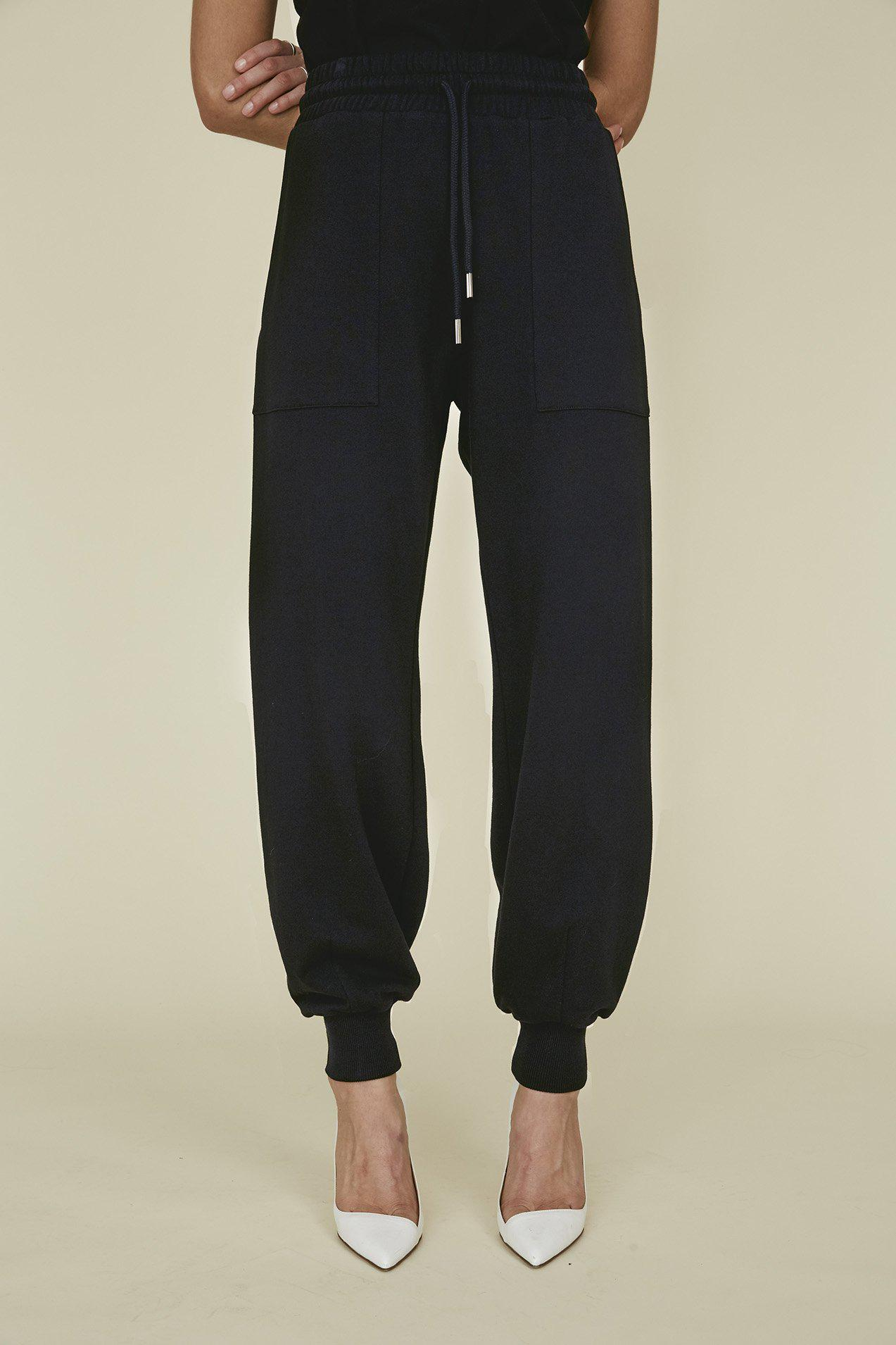 The Puff Jogger in Black