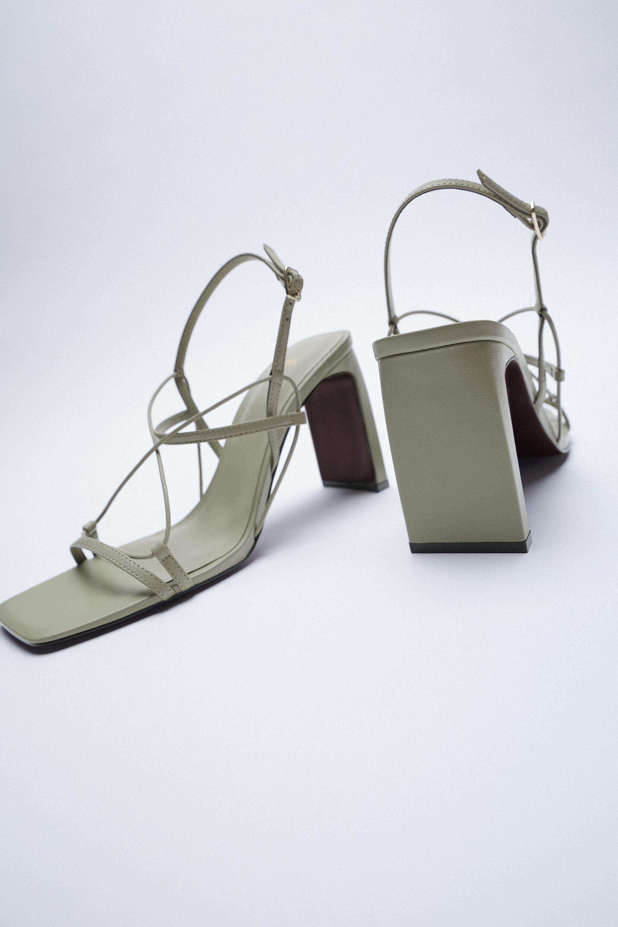 THIN STRAP LEATHER SANDALS 8