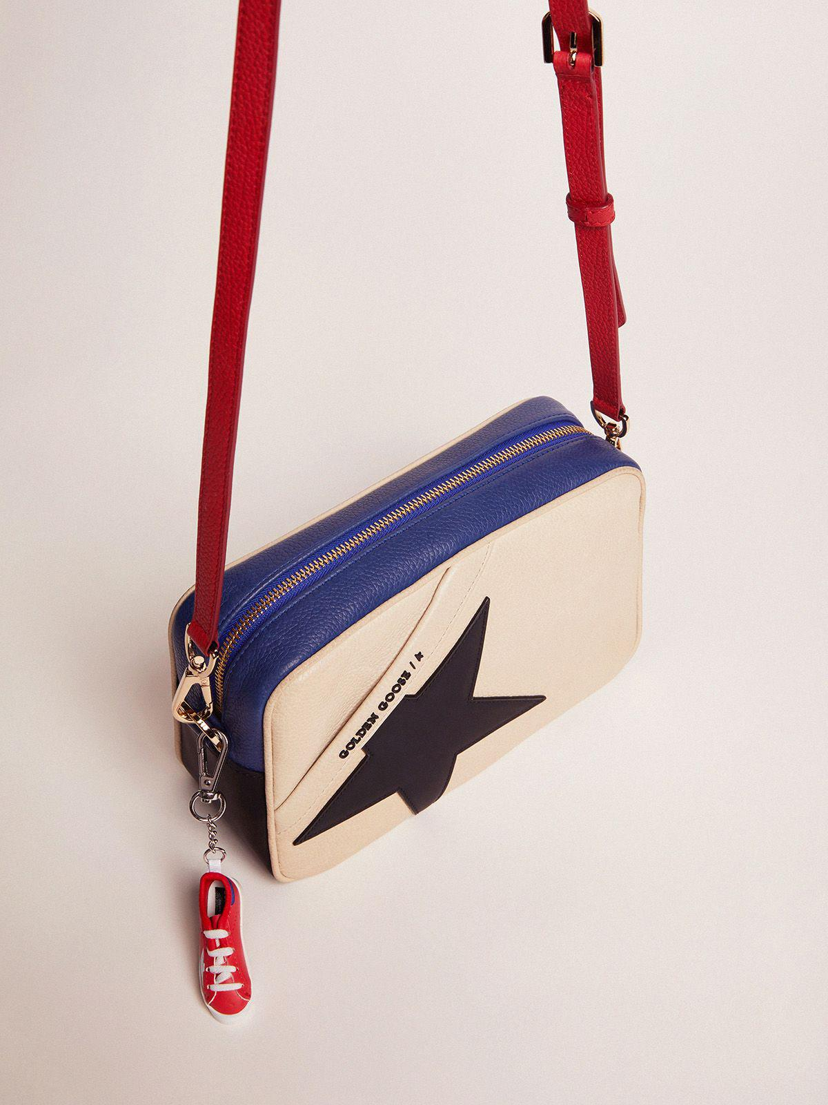 Star Bag made of pebbled leather with black star 1