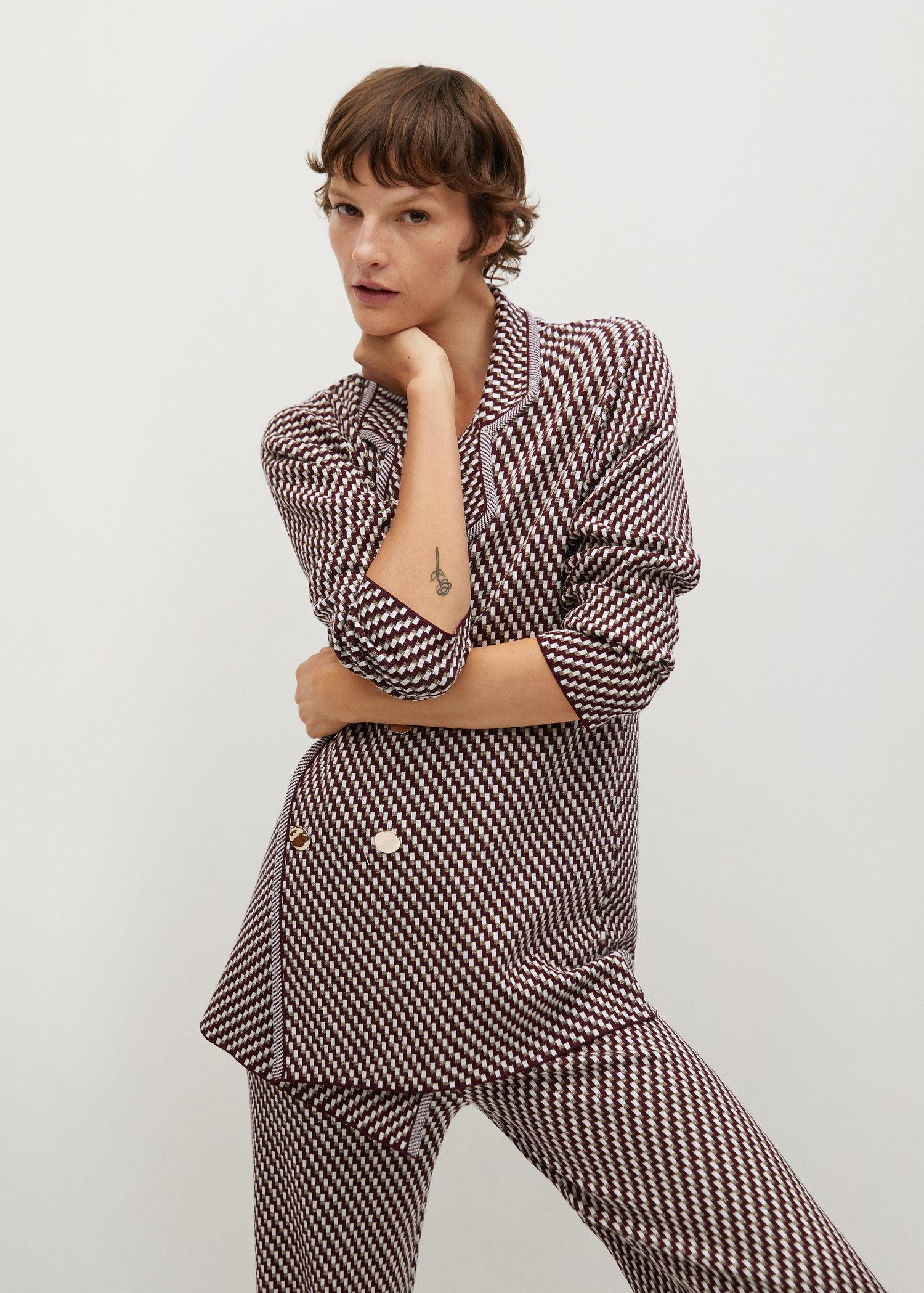 Knitted suit jacket with geometric print