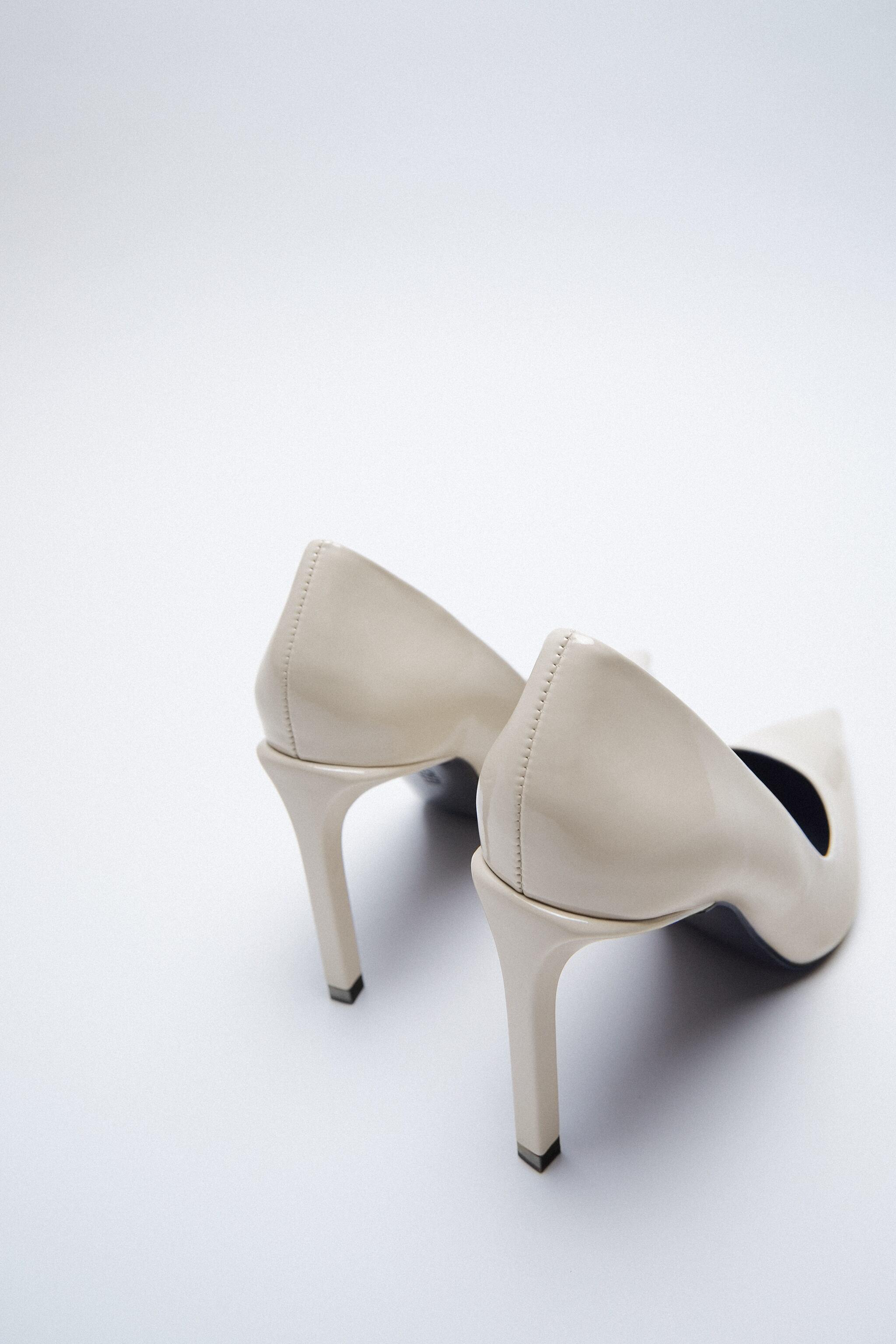 PATENT FINISH POINTED TOE HEELS 6