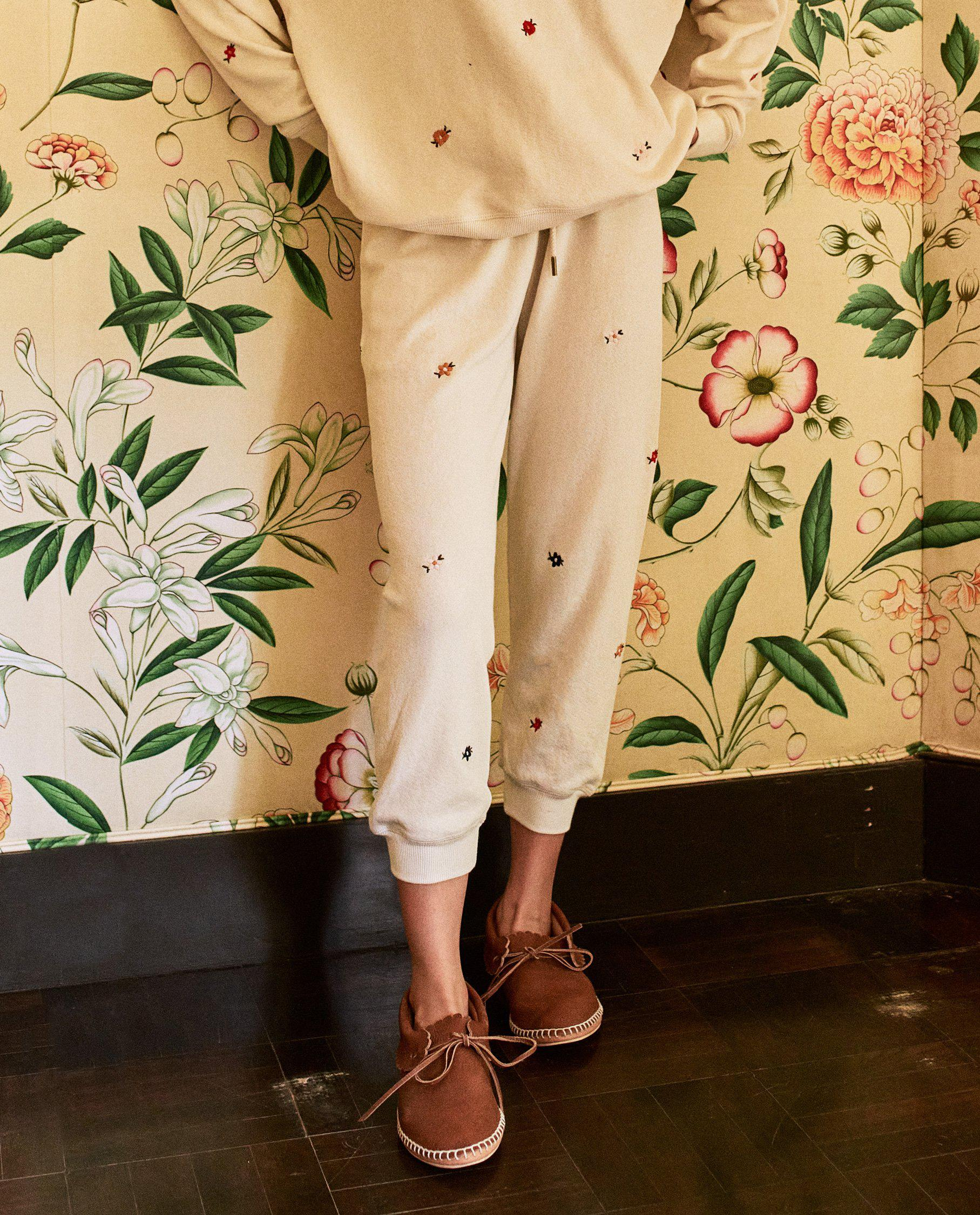 The Cropped Sweatpant. Embroidered -- Washed White with Seed Floral Embroidery 1