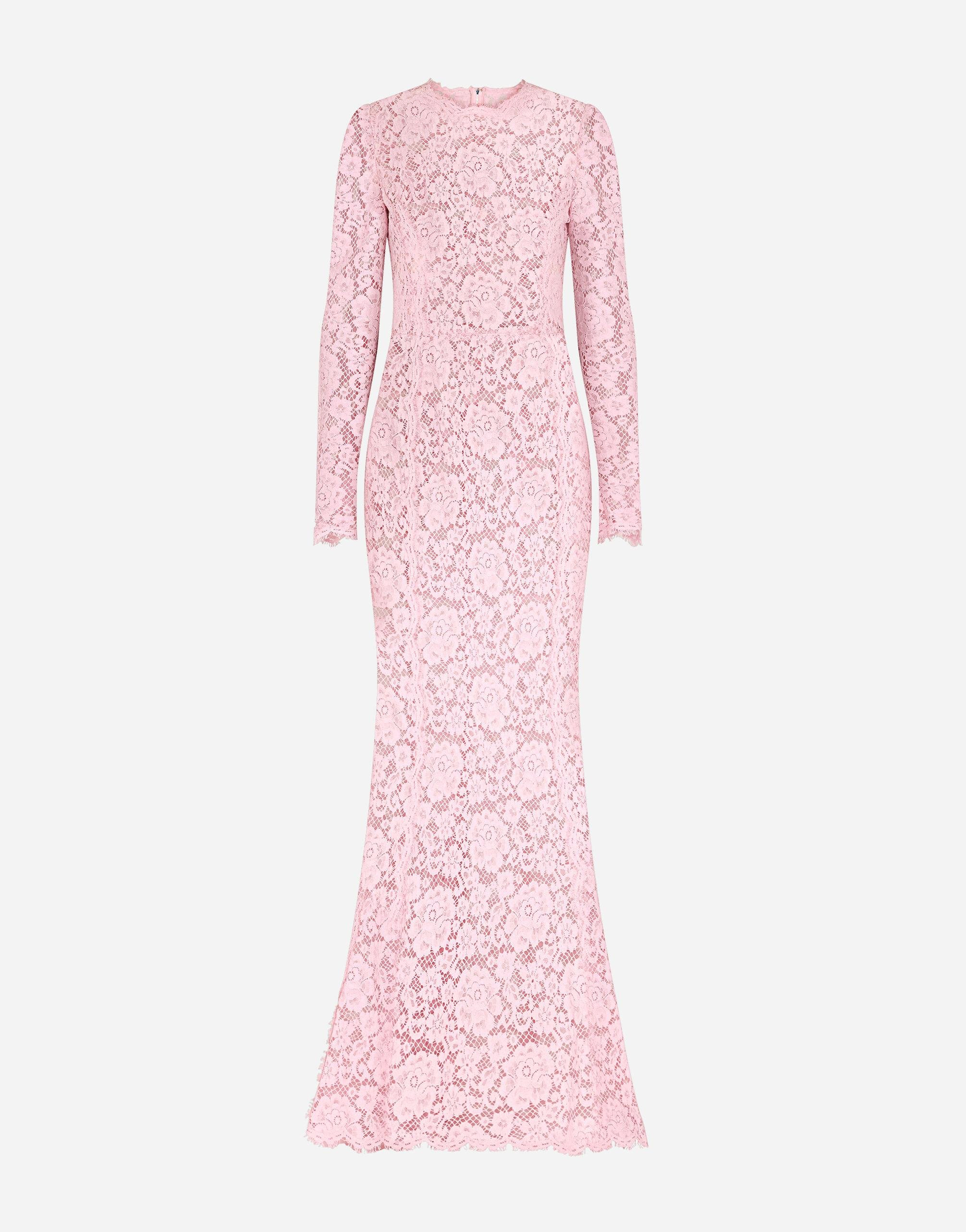 Long lace dress with train 4