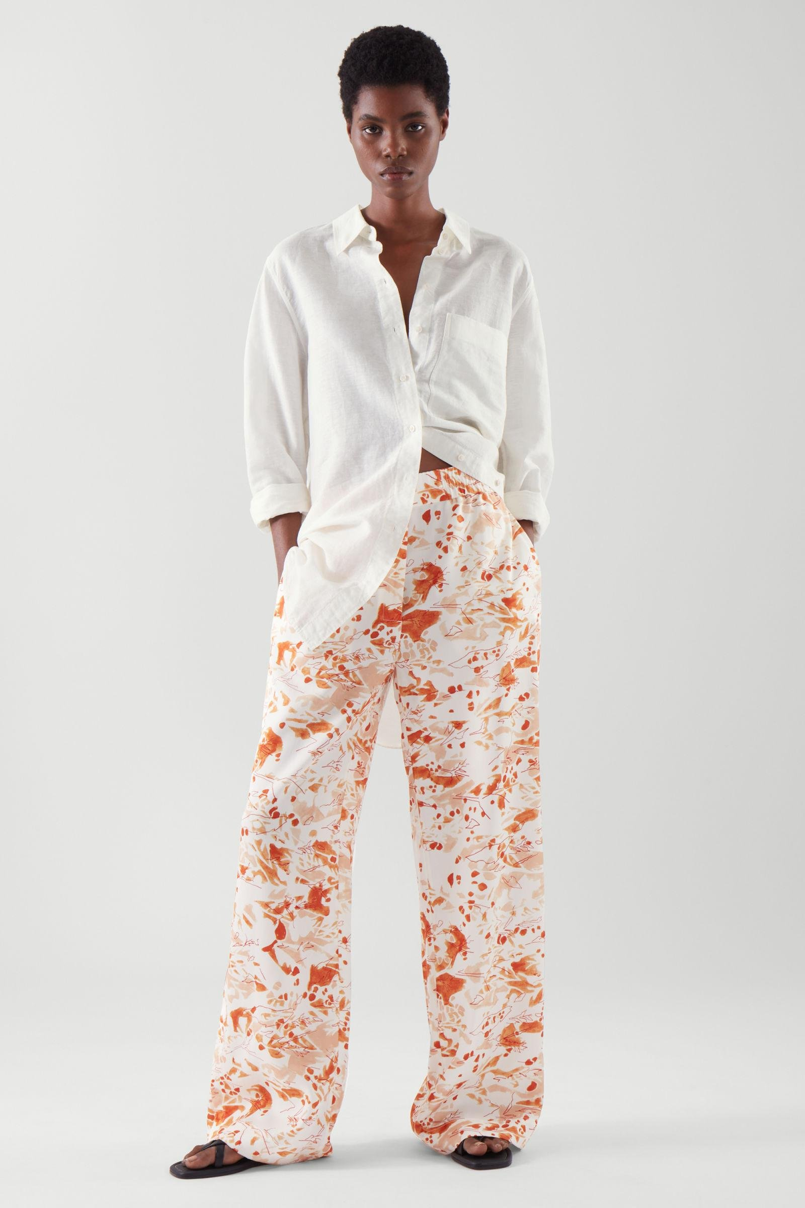ELASTICATED RELAXED-LEG TROUSERS 5
