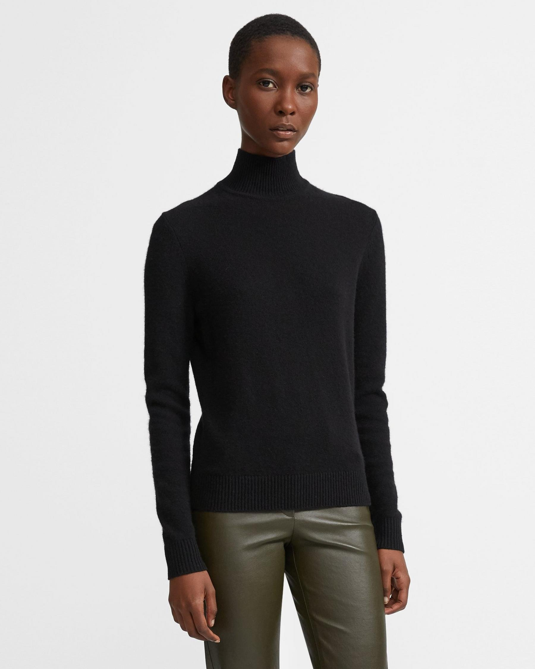 Basic Turtleneck Sweater in Feather Cashmere 4