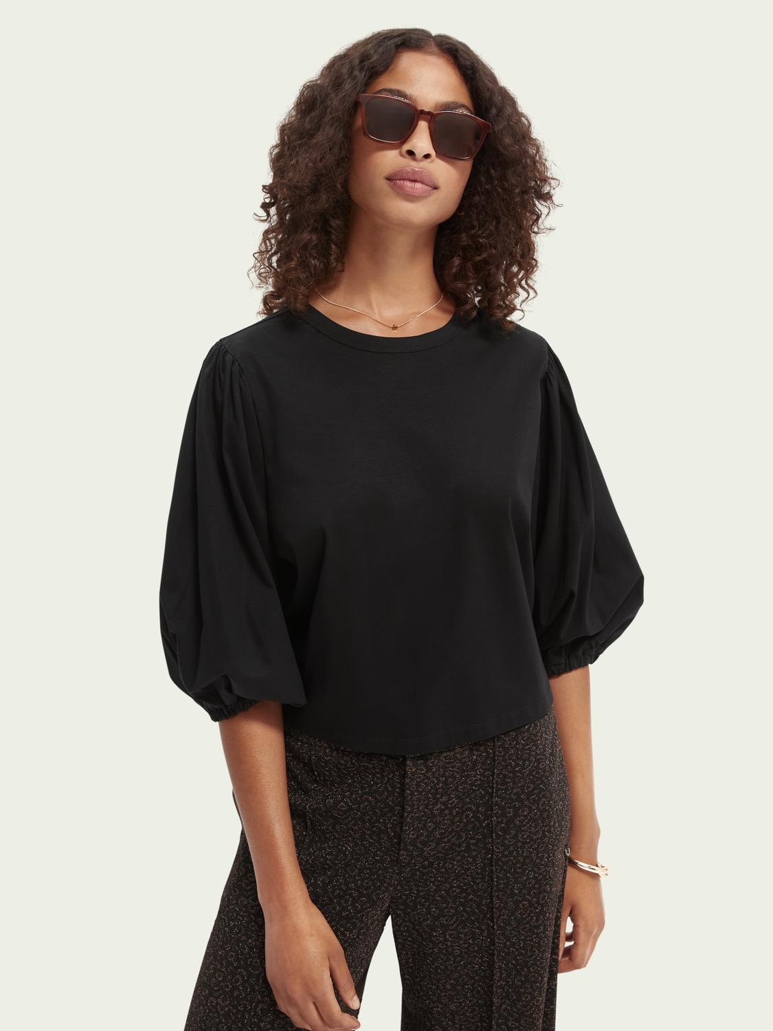 Voluminous-sleeved cropped-fit T-shirt