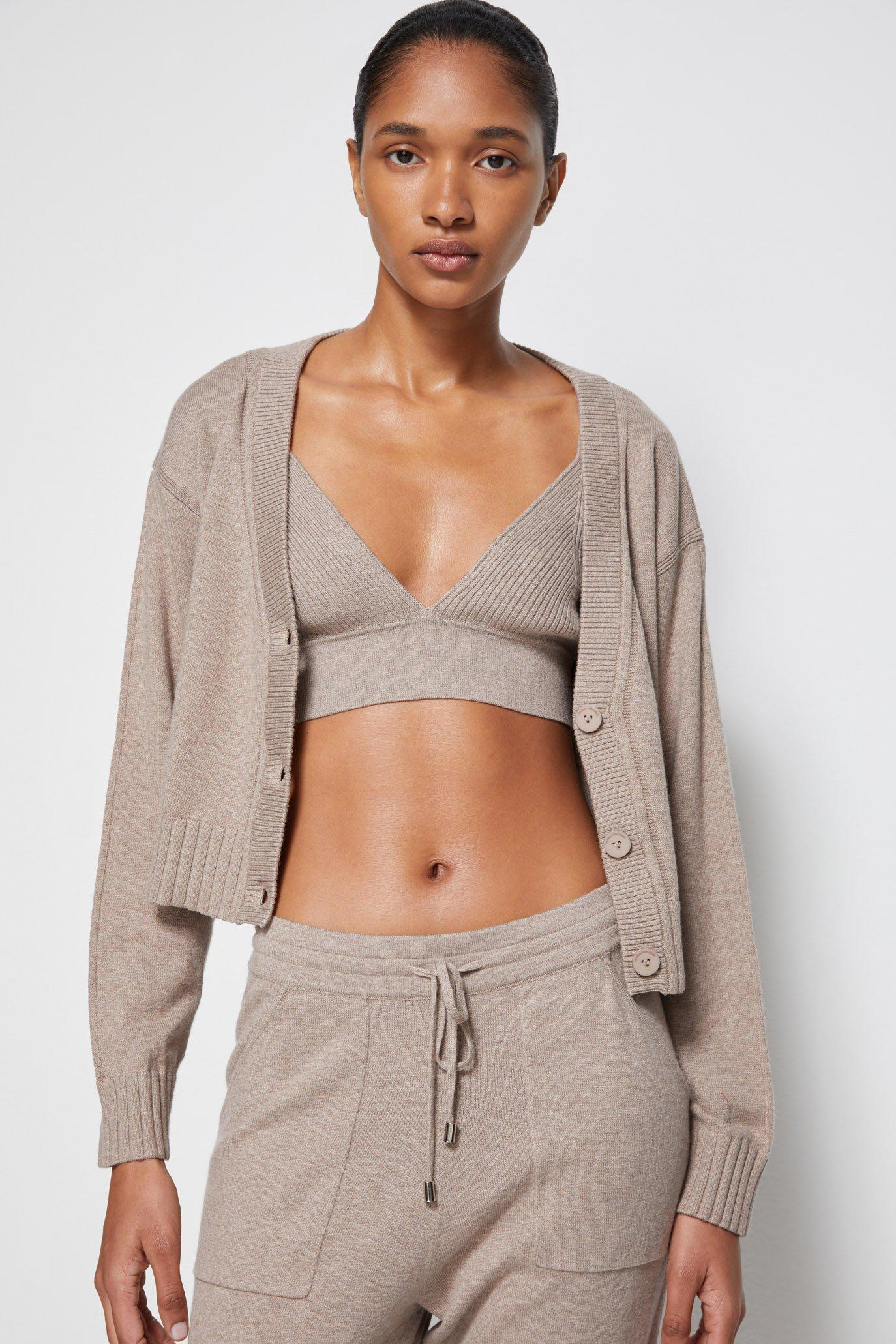 Off-Duty Cashmere Joggers 2