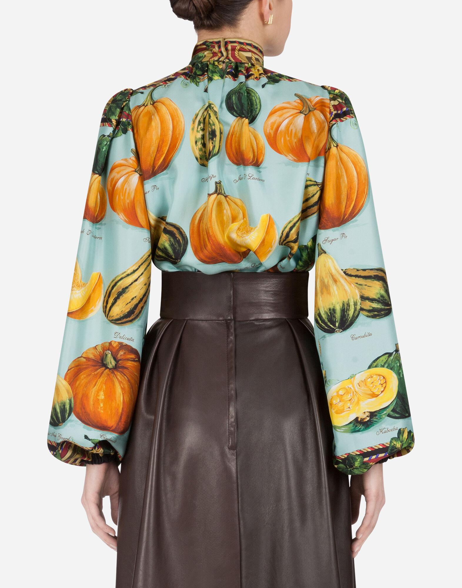 Twill blouse with pumpkin print 1