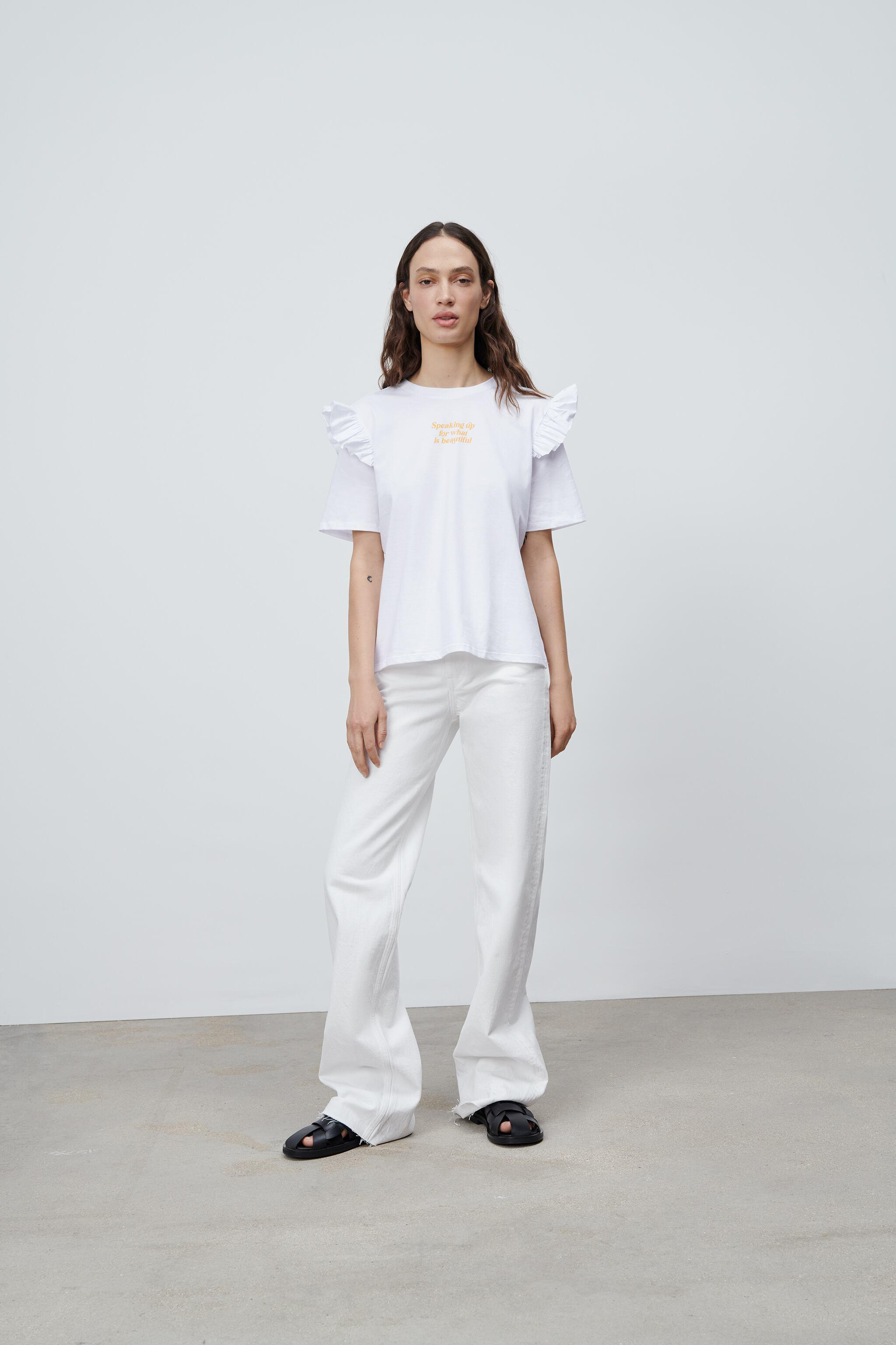 RUFFLED T-SHIRT WITH TEXT