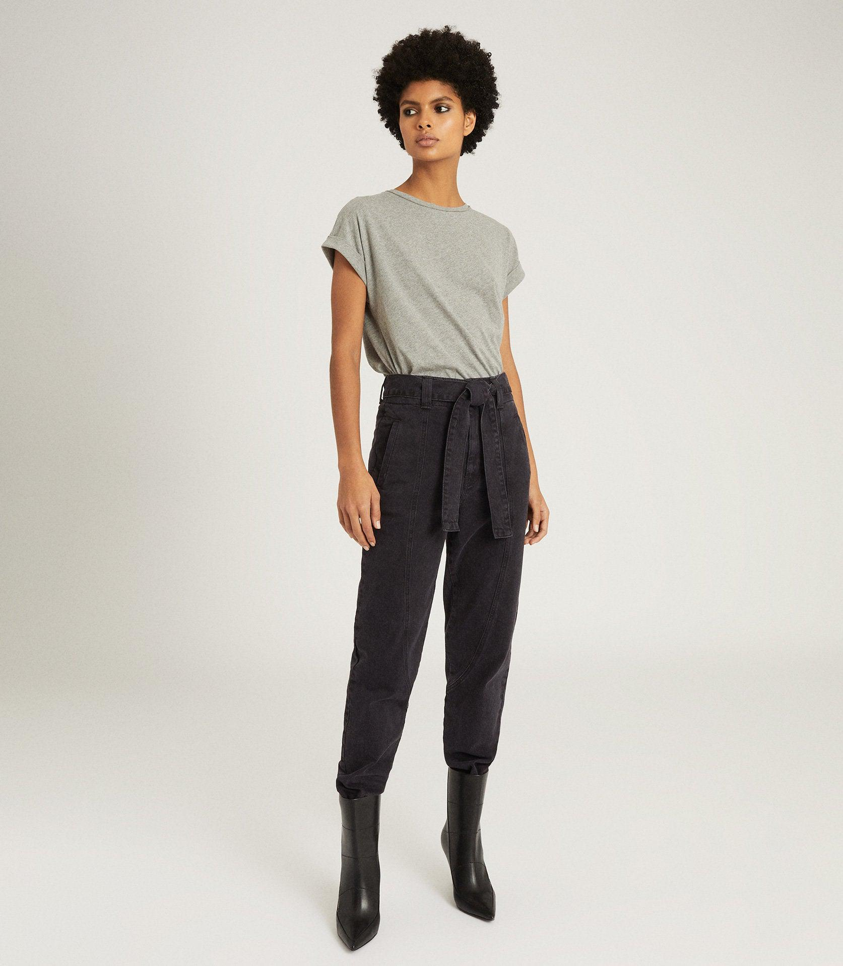 FLYNN - HIGH RISE TAPERED FIT JEANS