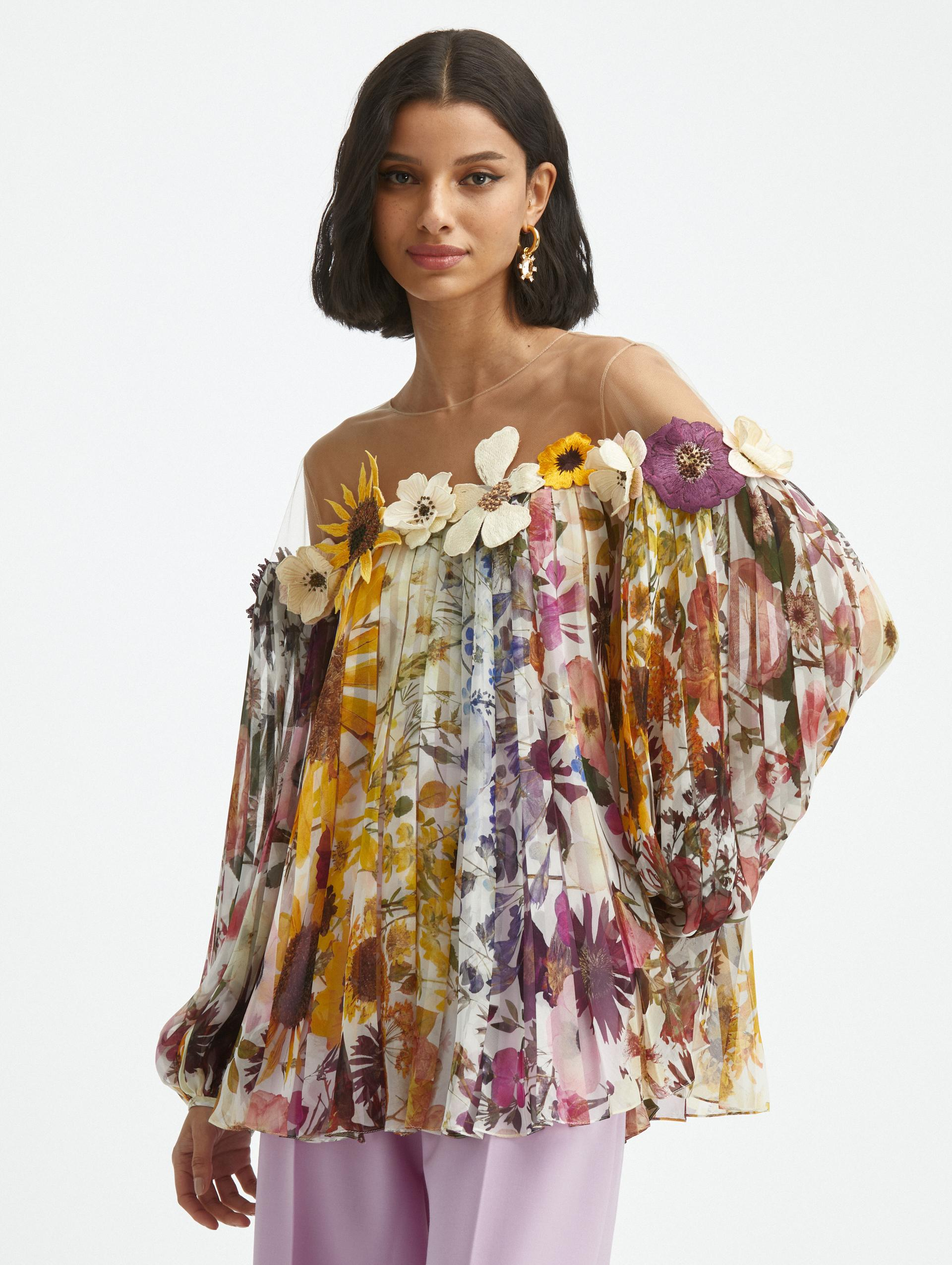FLOWER EMBROIDERED PLEATED BLOUSE