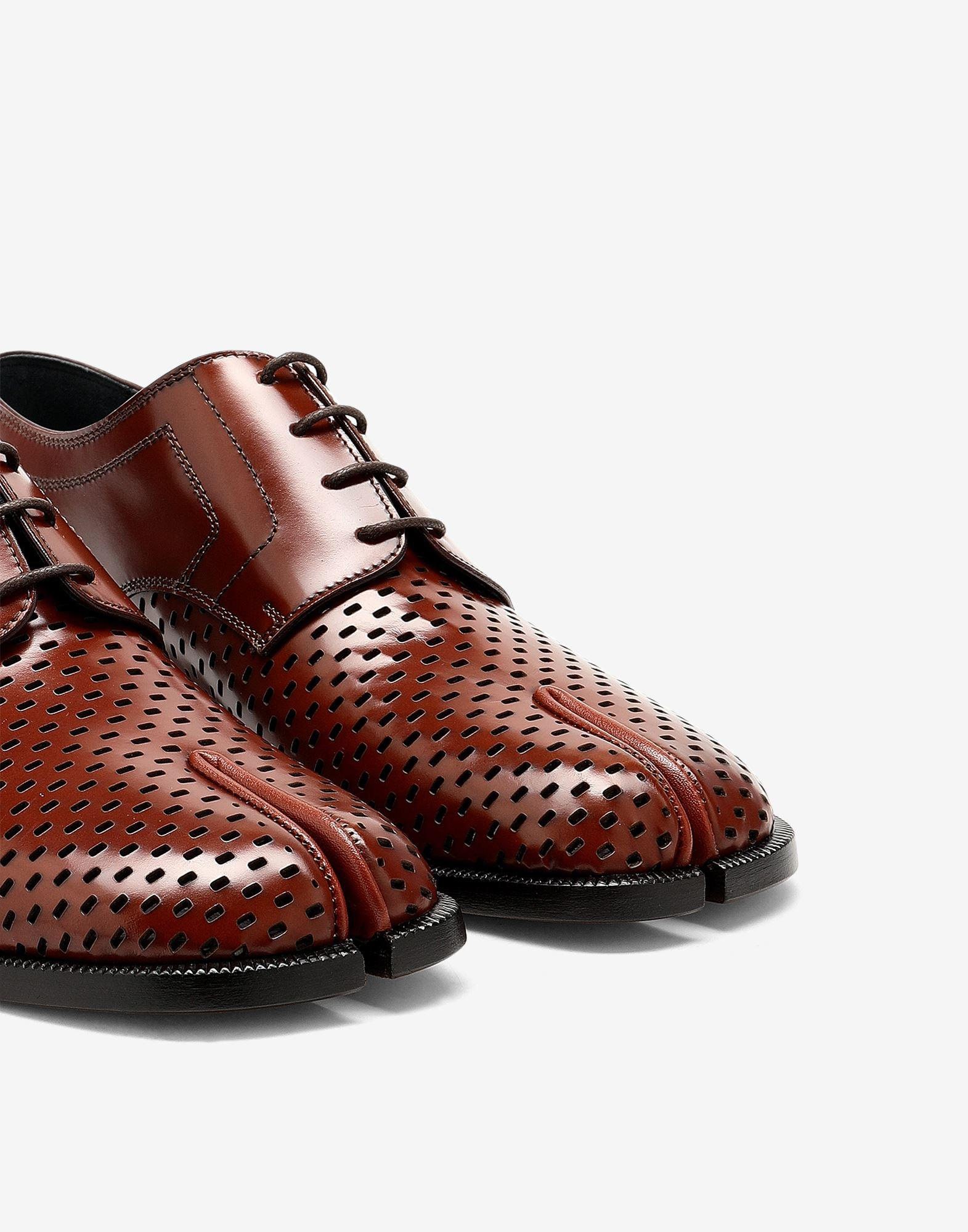 Tabi perforated lace-up shoes 4