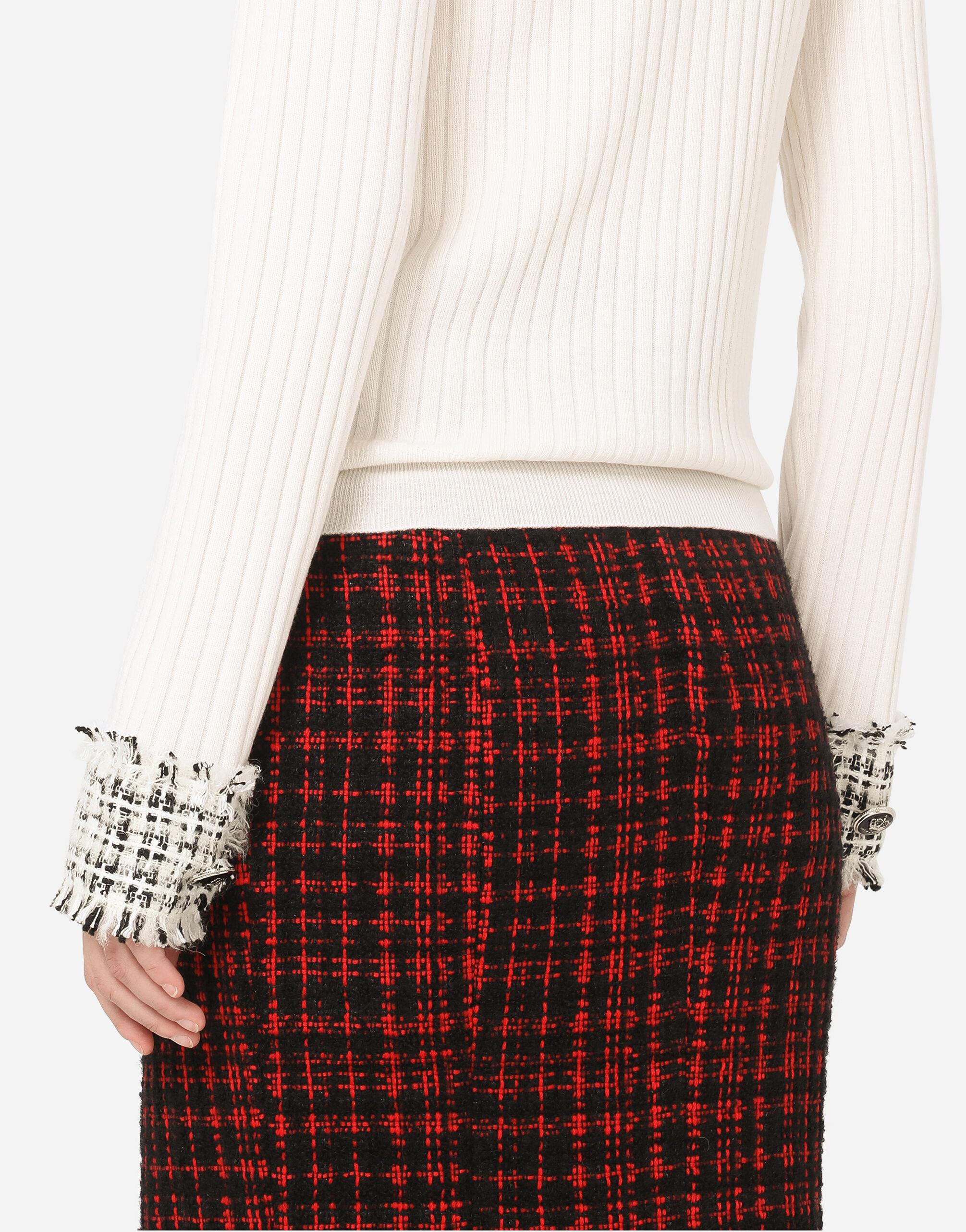 Wool turtle-neck sweater with tweed cuffs 3