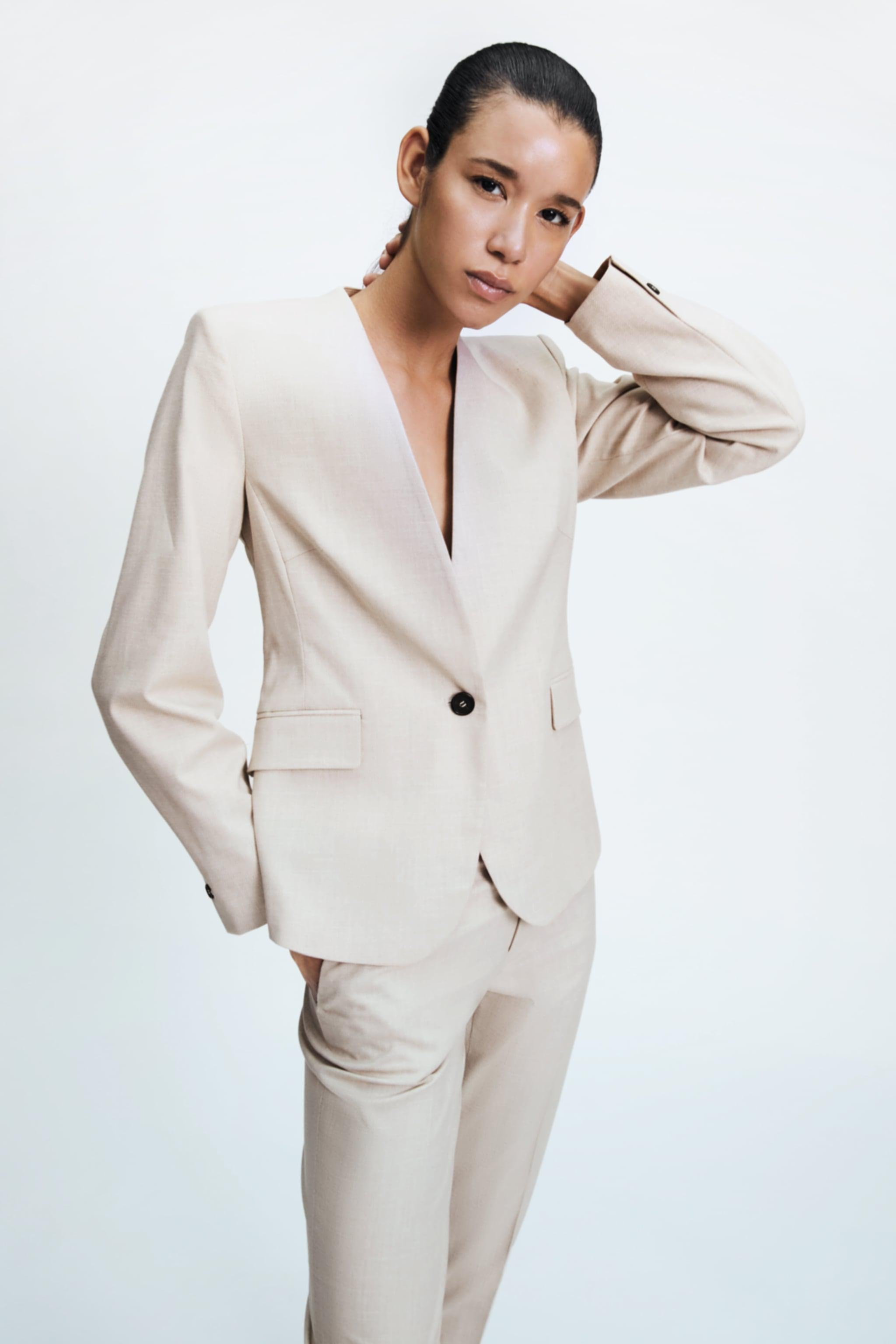 LAPELLESS FITTED BLAZER 1