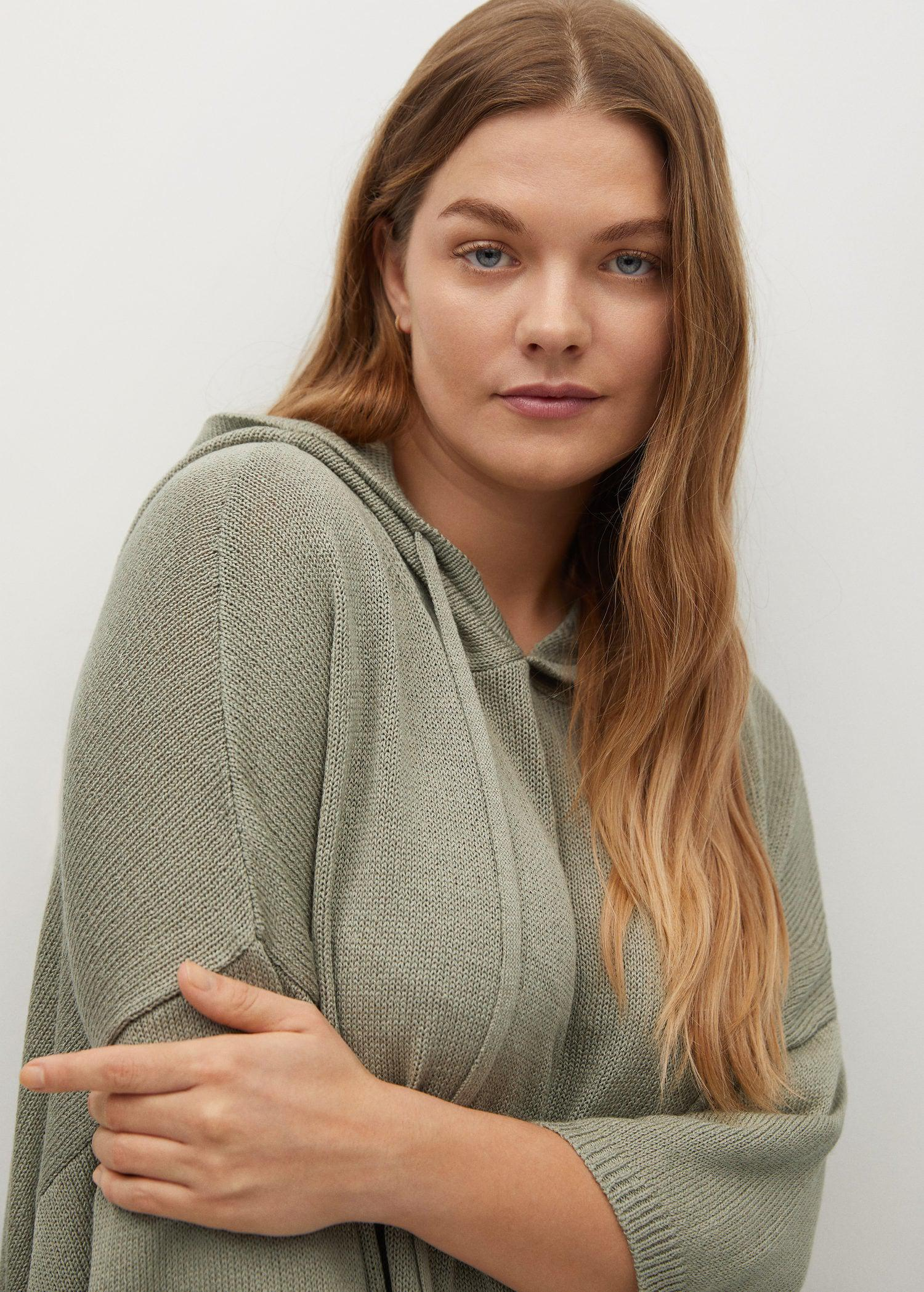 Oversized hooded sweater 3
