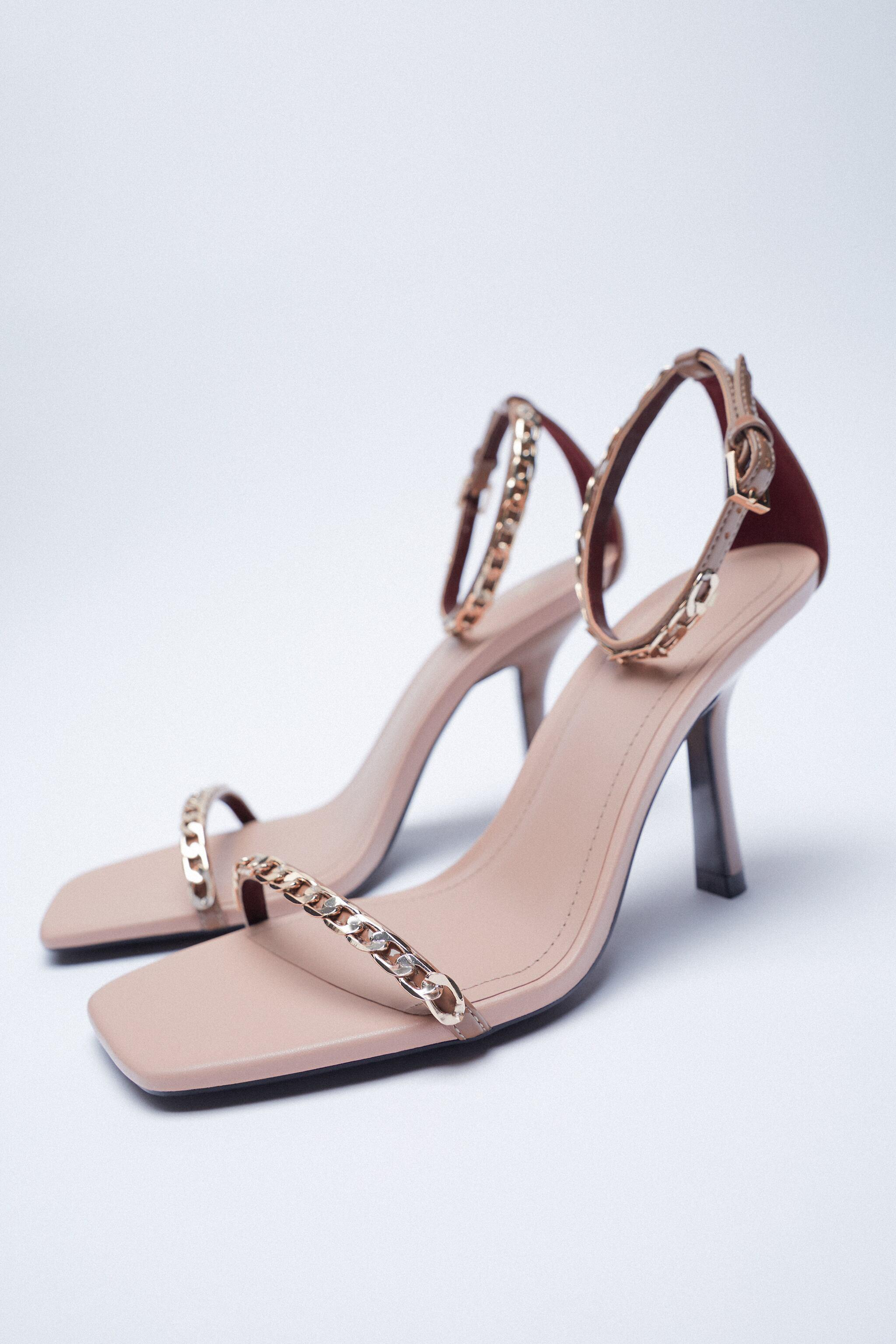HIGH HEELED SANDALS WITH CHAIN 4