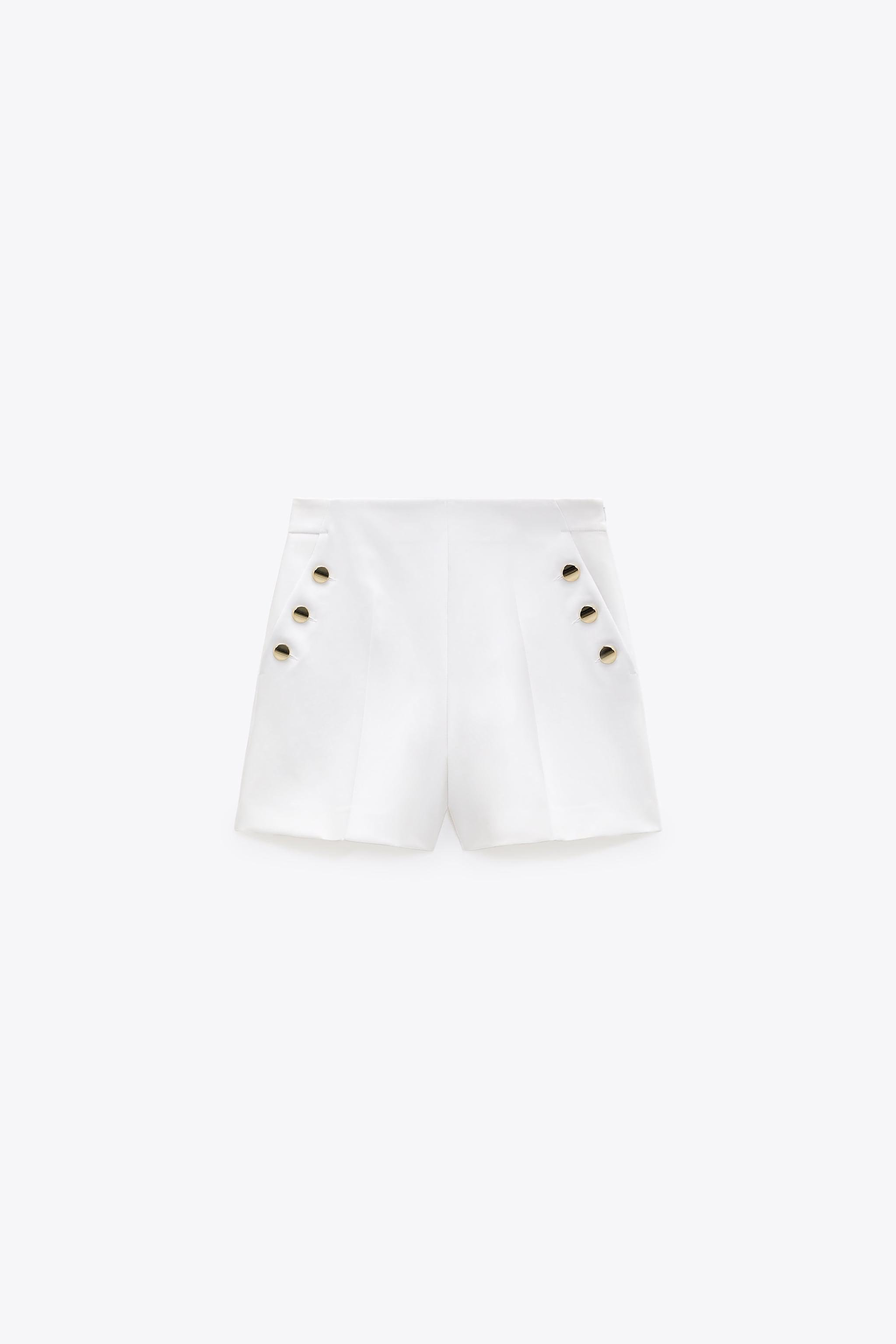 SHORTS WITH BUTTONS 2
