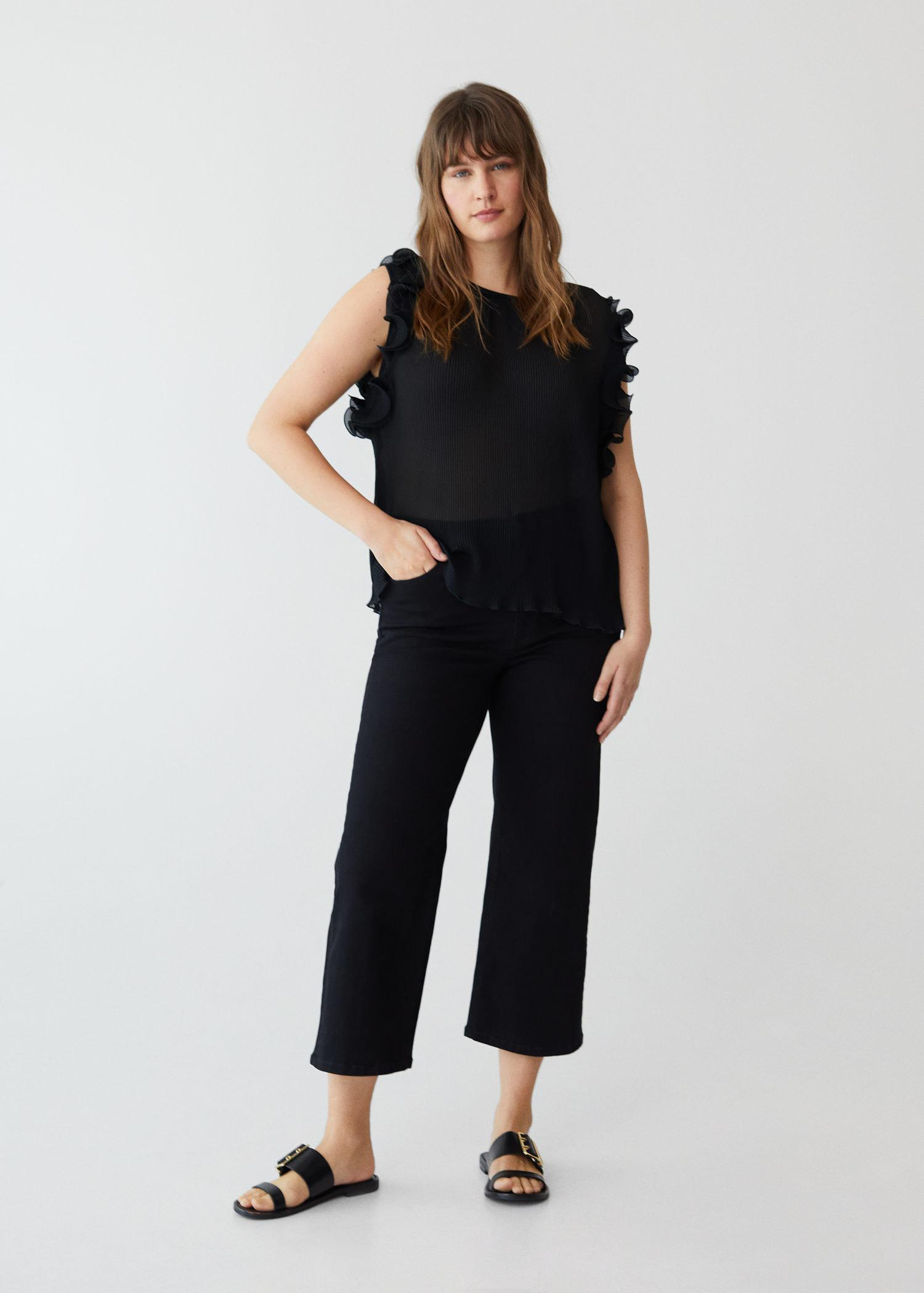Pleated blouse with ruffles