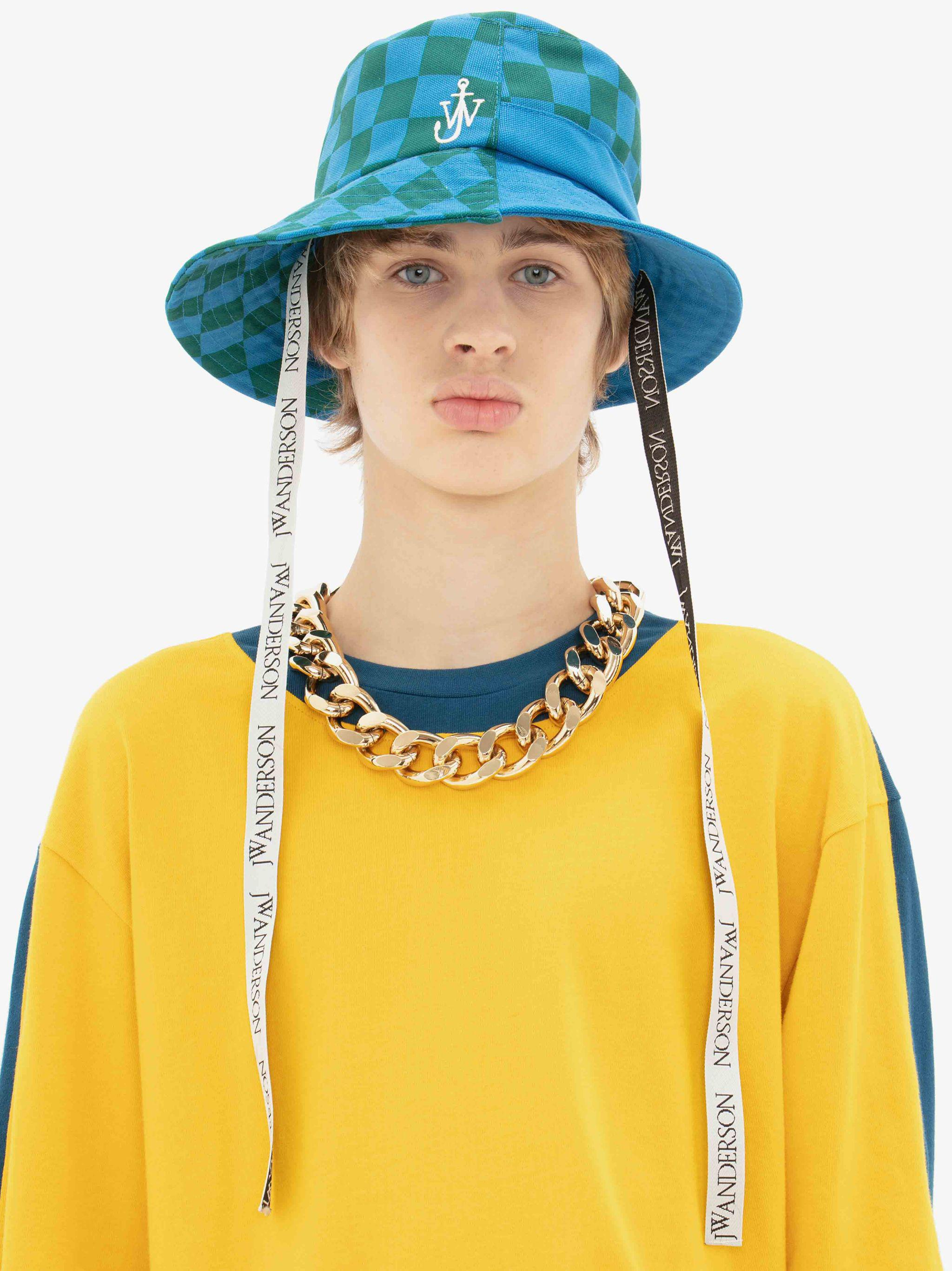OVERSIZED CHAIN NECKLACE 3