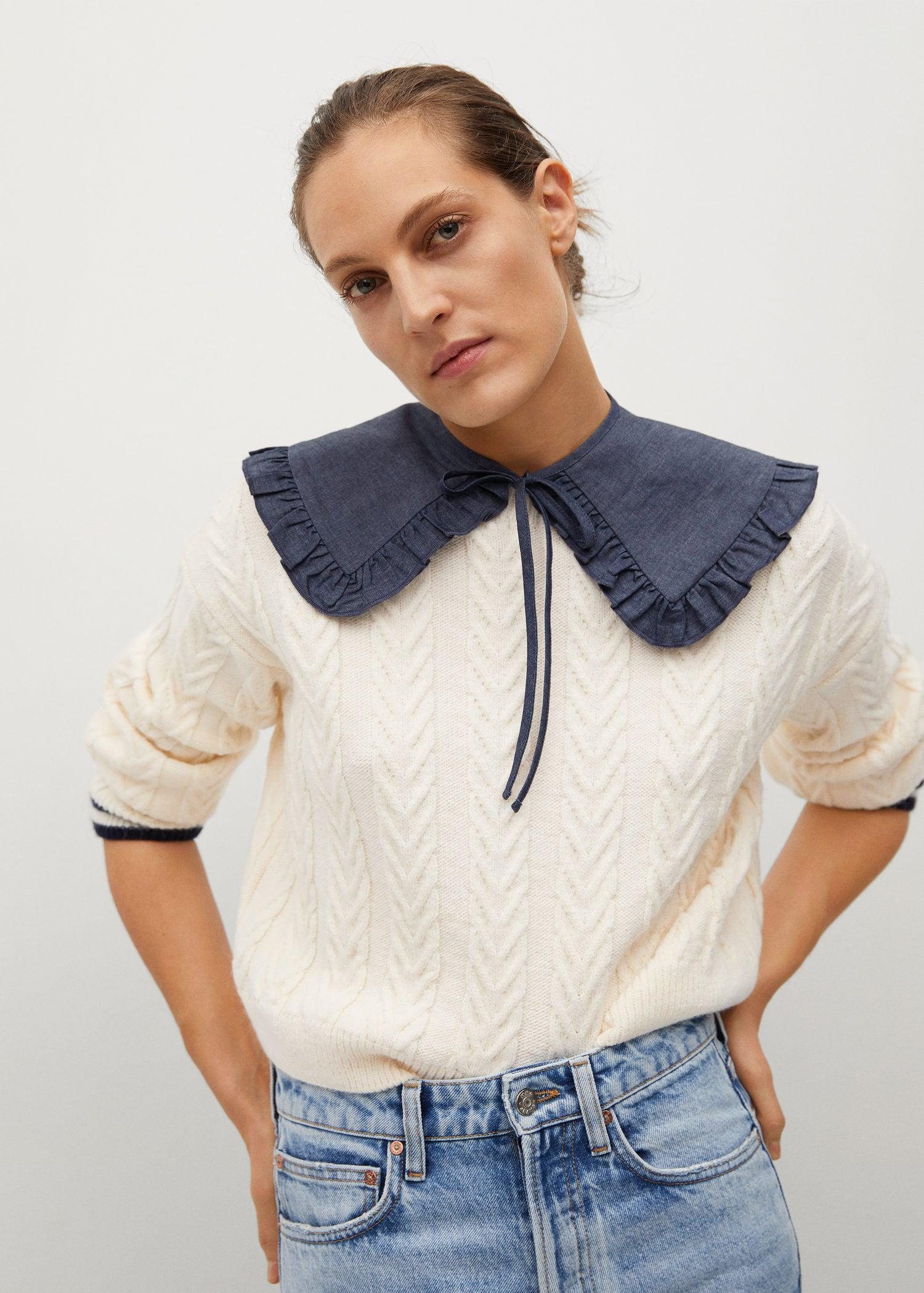 Removable babydoll collar sweater