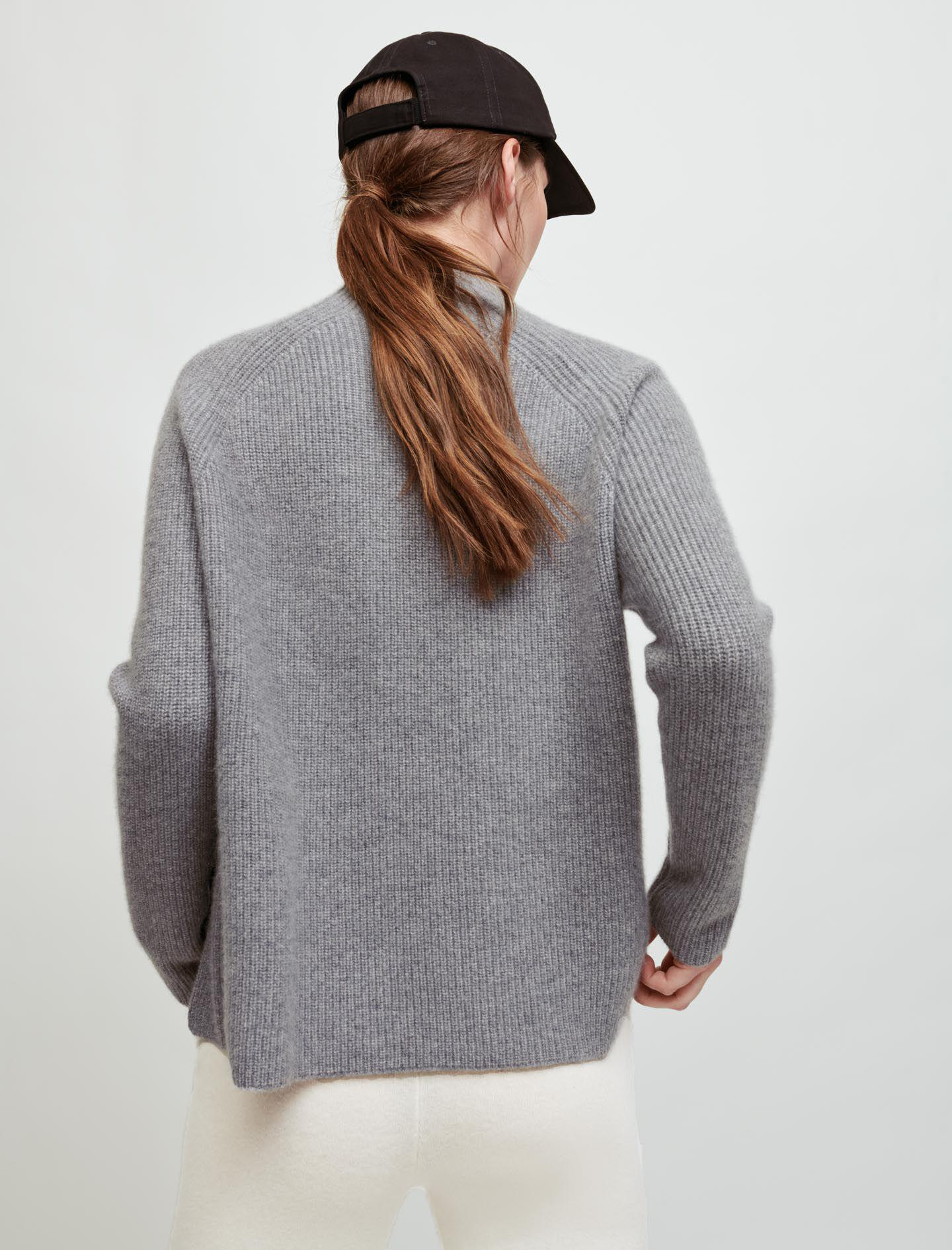 100% CASHMERE SWEATER WITH COLLAR 2