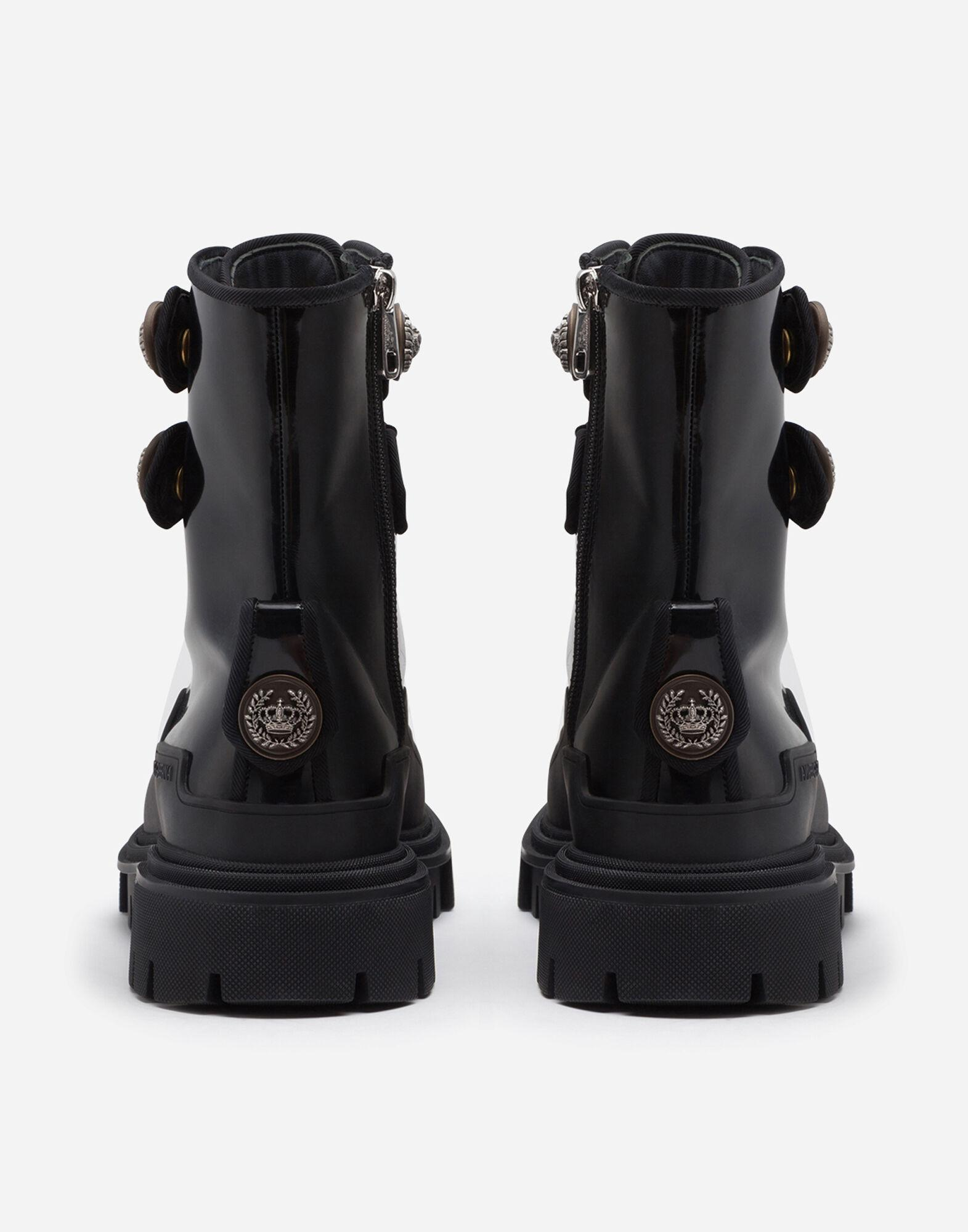 Polished calfskin trekking boots with buttons 2