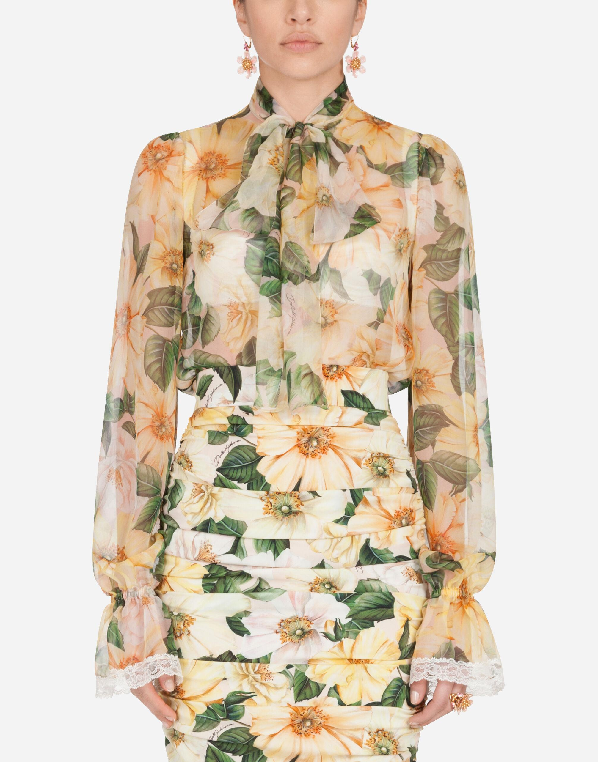 Camellia-print chiffon shirt with pussy bow