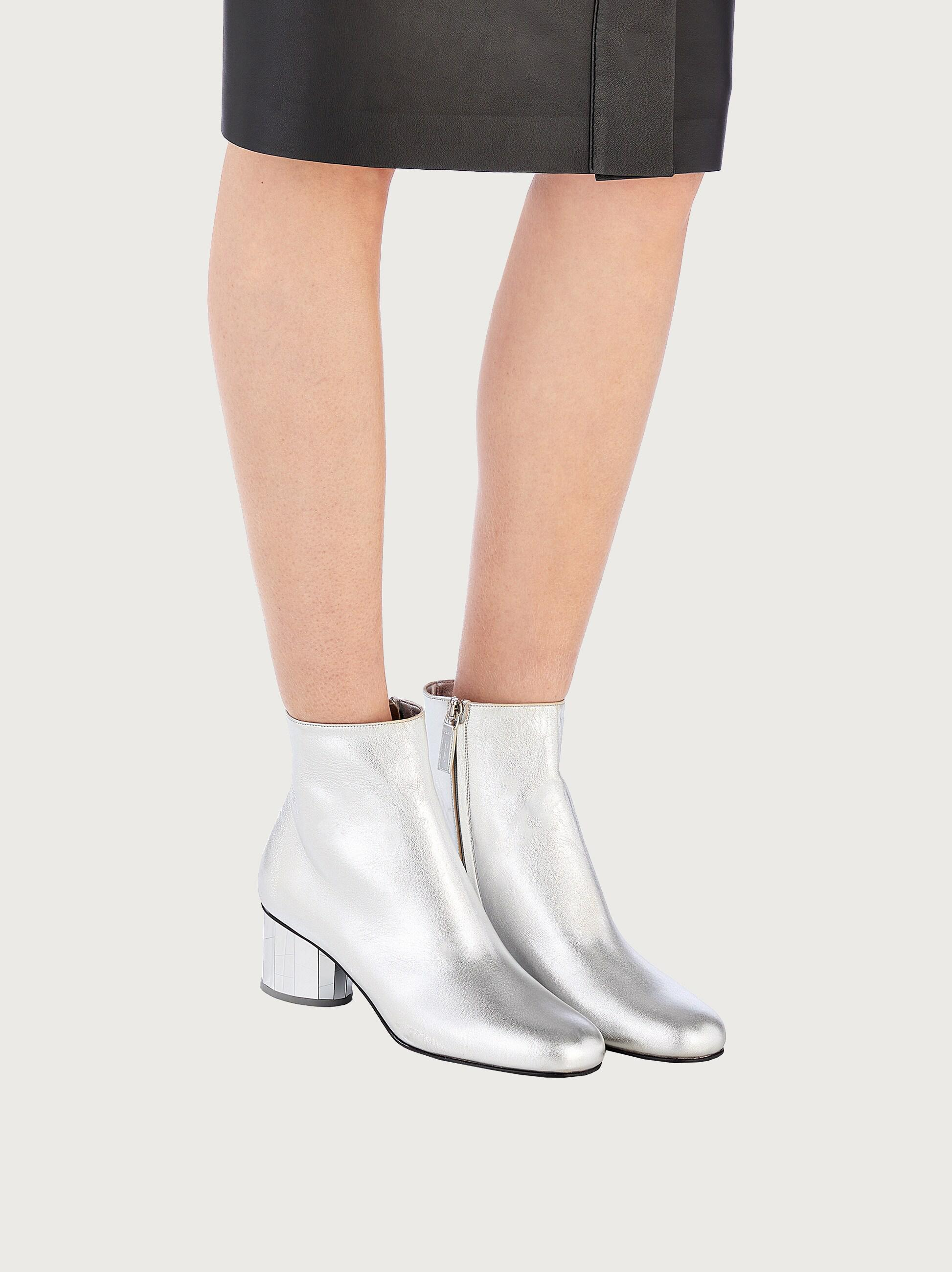MIRRORED HEEL ANKLE BOOT 4