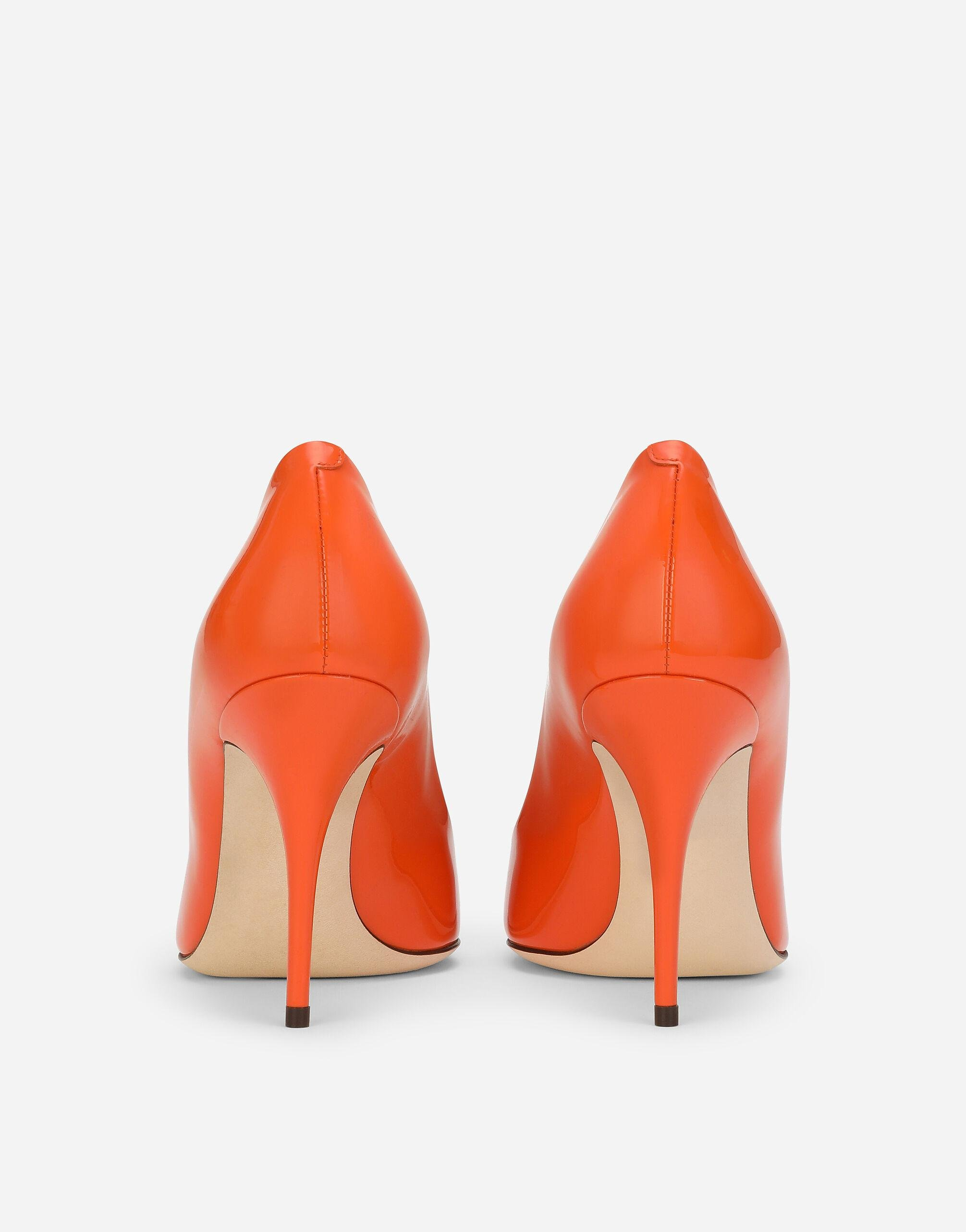 Patent leather pumps with DG logo 2