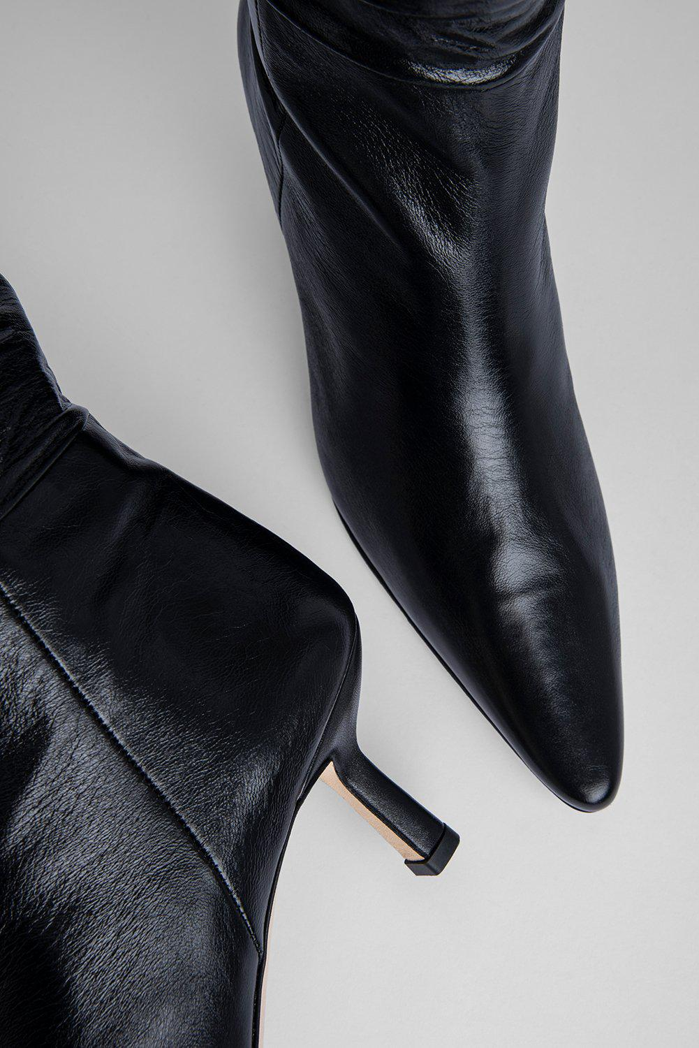 Gwen Black Creased Leather 2