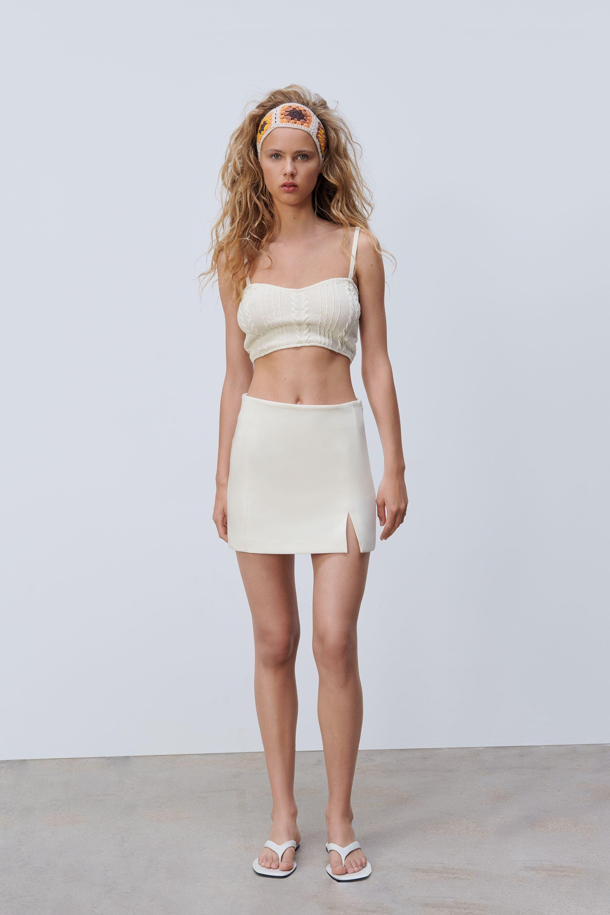 CABLE-KNIT CROP TOP