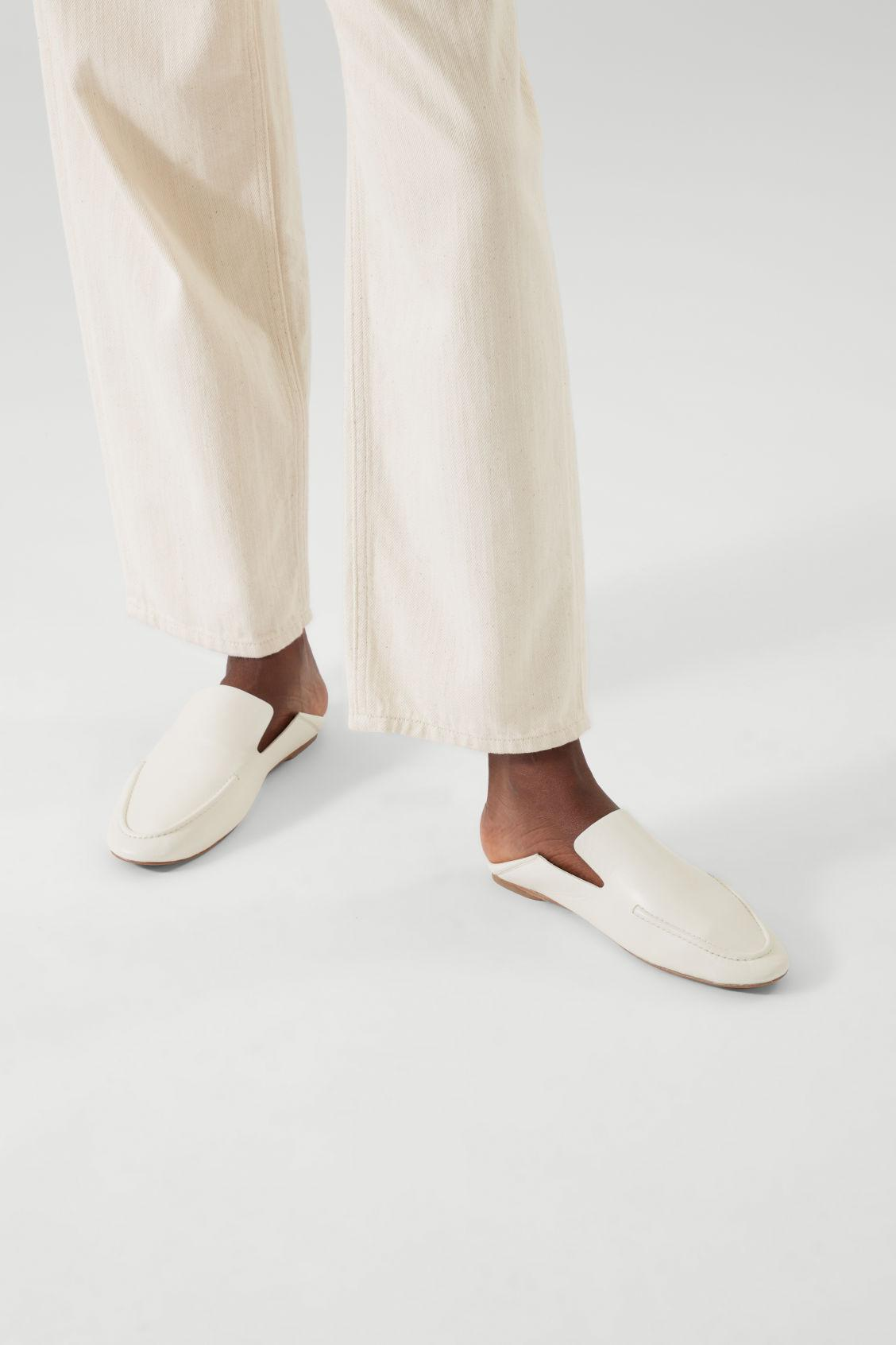 LEATHER LOAFERS 6