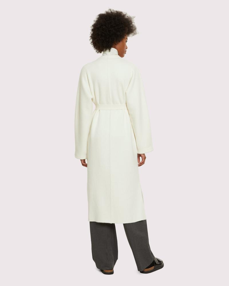 long knit coat with mink pockets 2