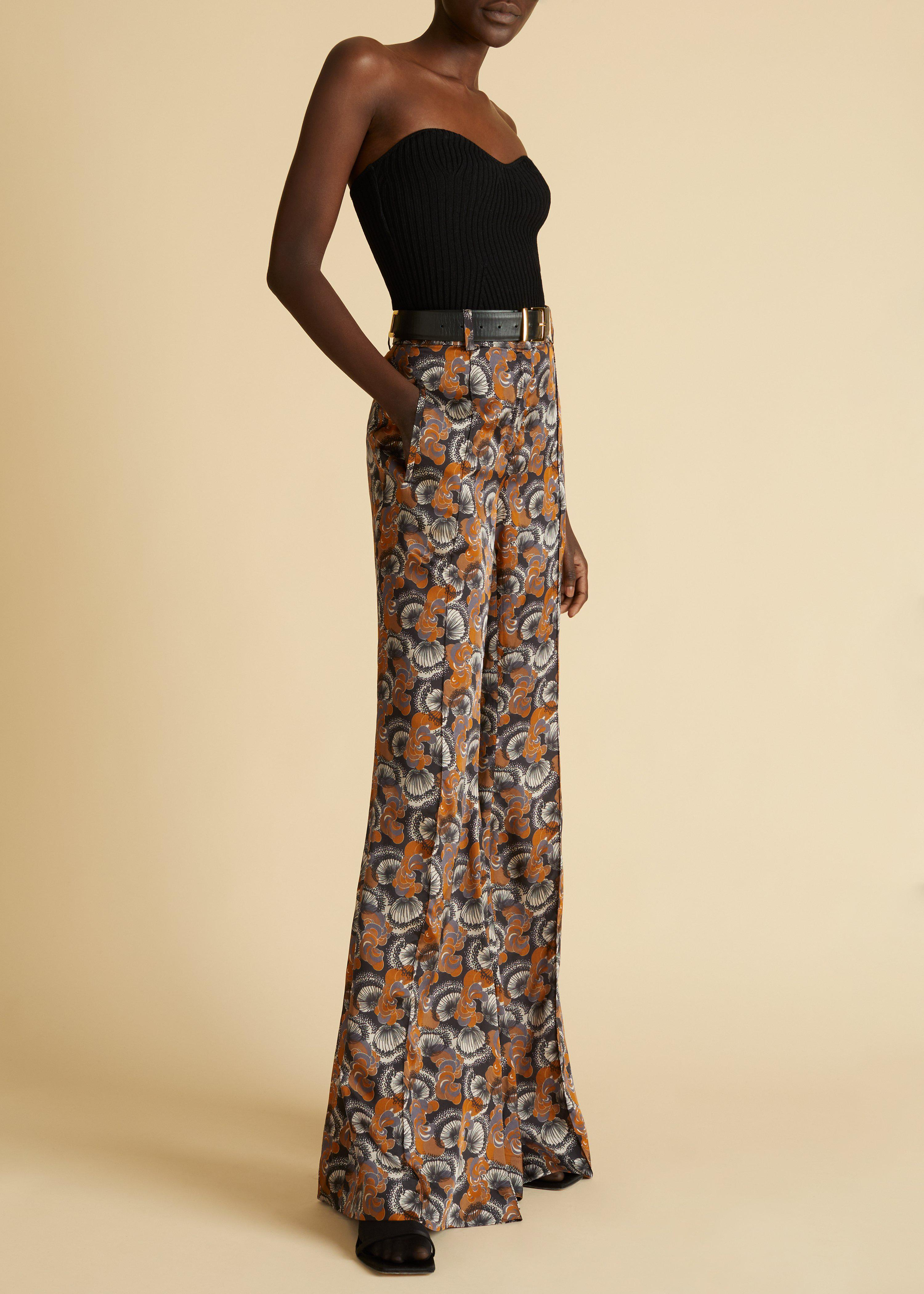 The Stockard Pant in Dandelion in the Wind