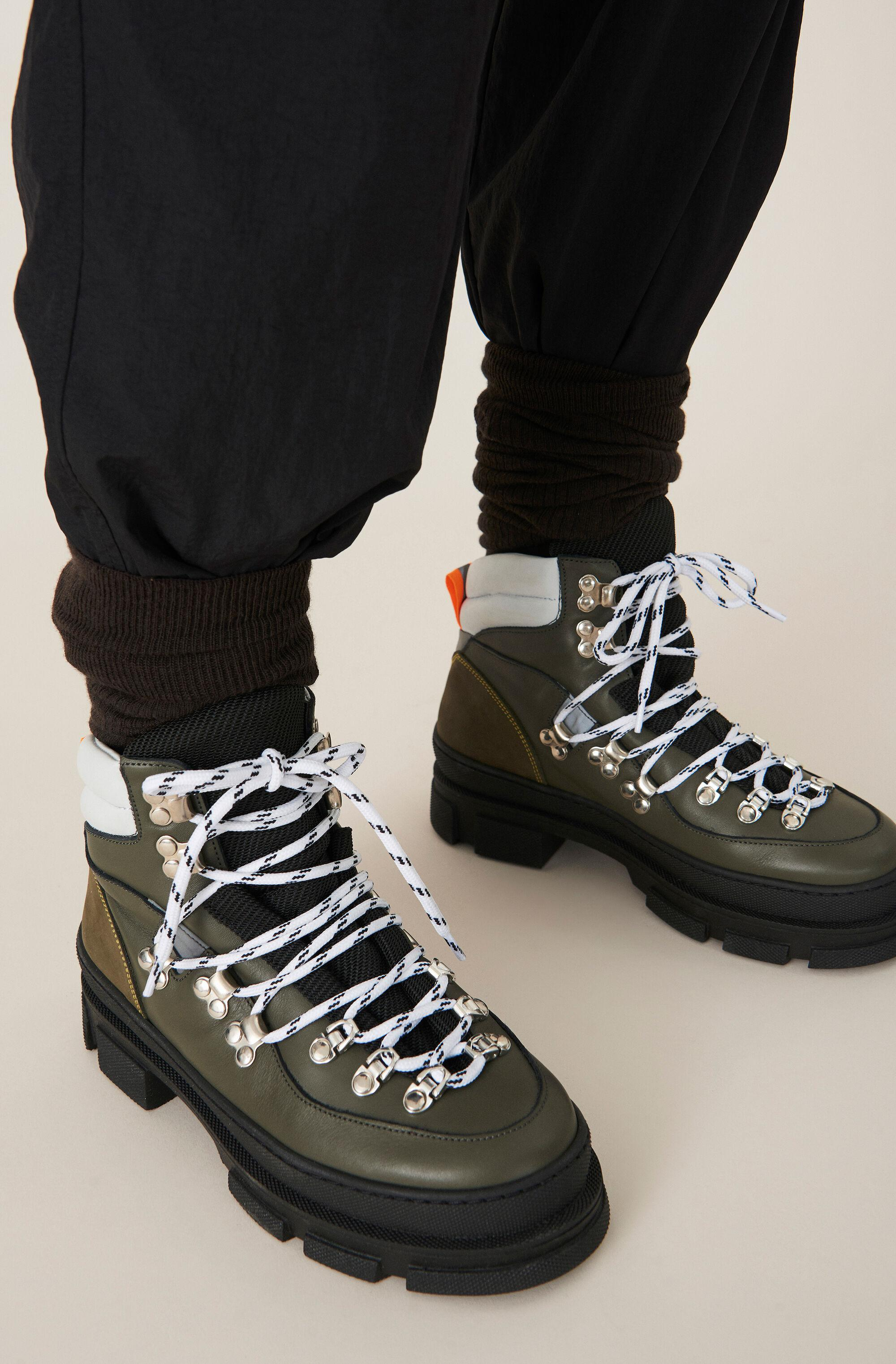 Sporty Hiking Boots 2