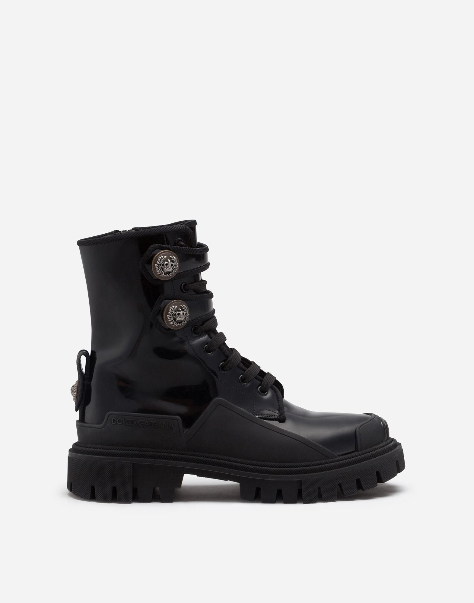 Polished calfskin trekking boots with buttons