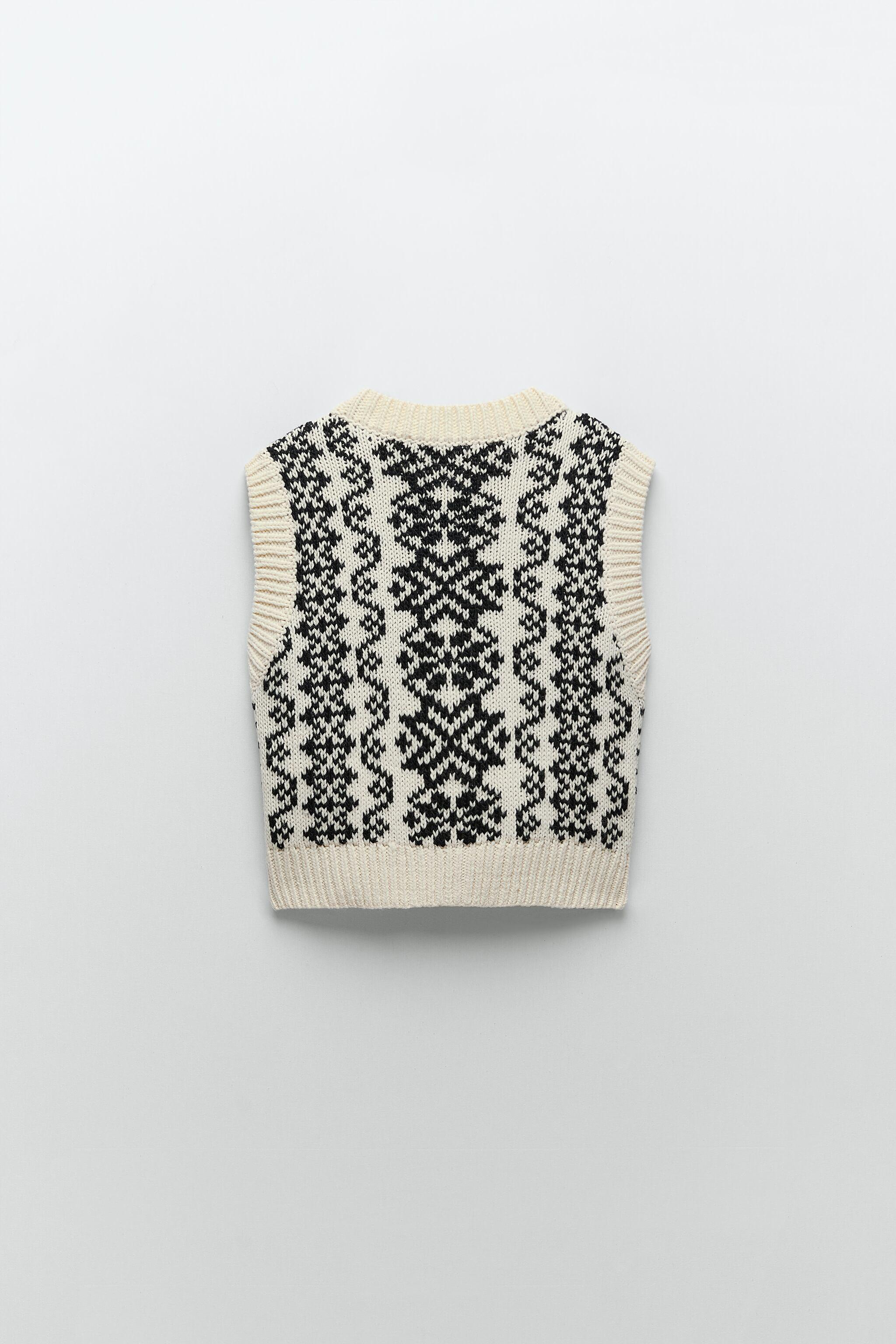 BUTTONED PRINTED VEST 4