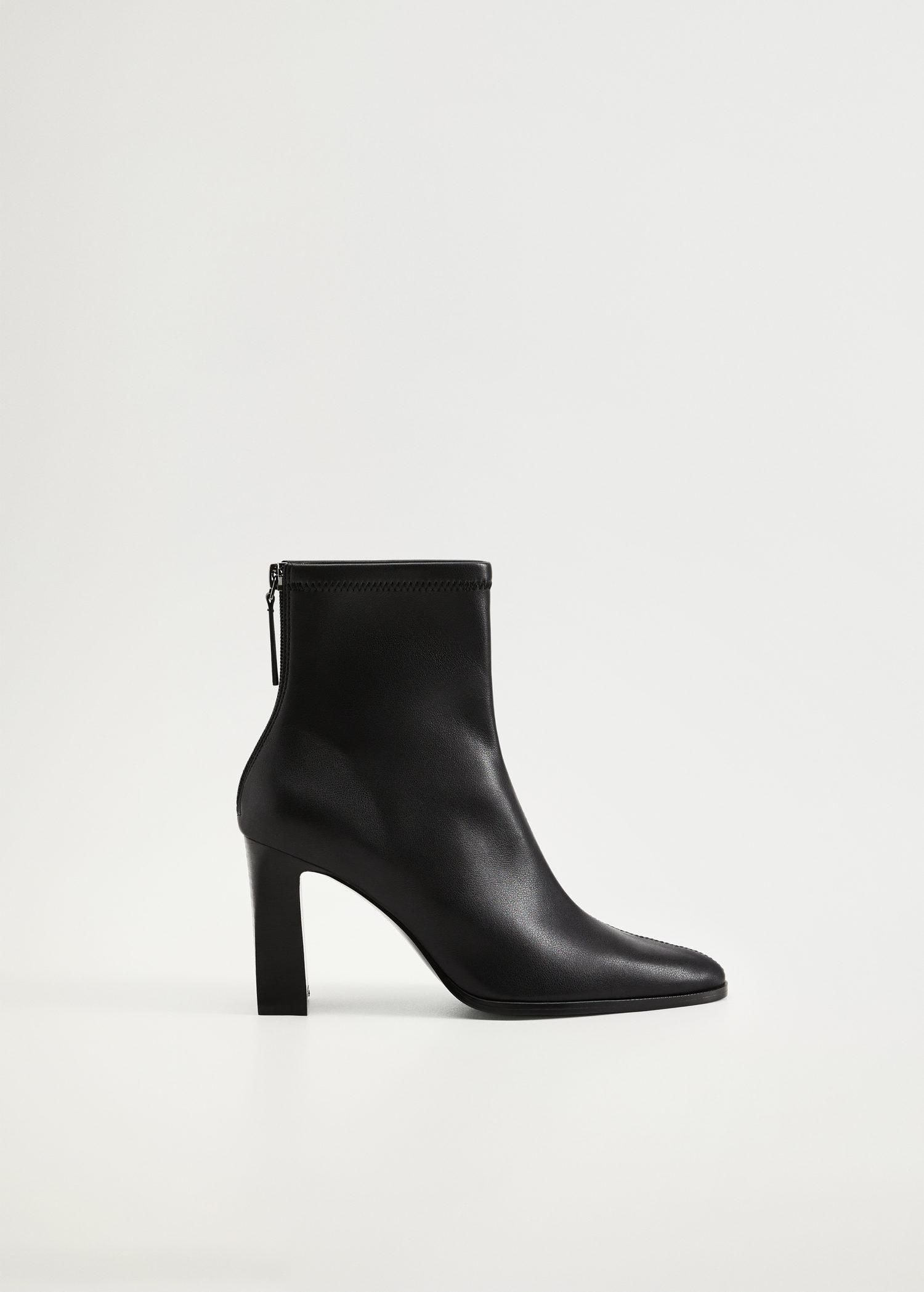 Elastic heeled ankle boot