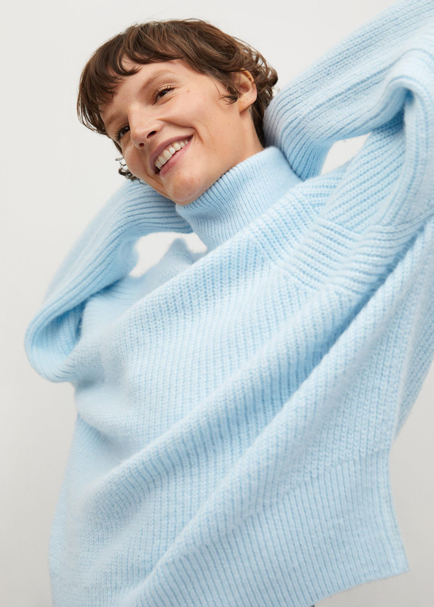 Turtleneck knitted sweater 3